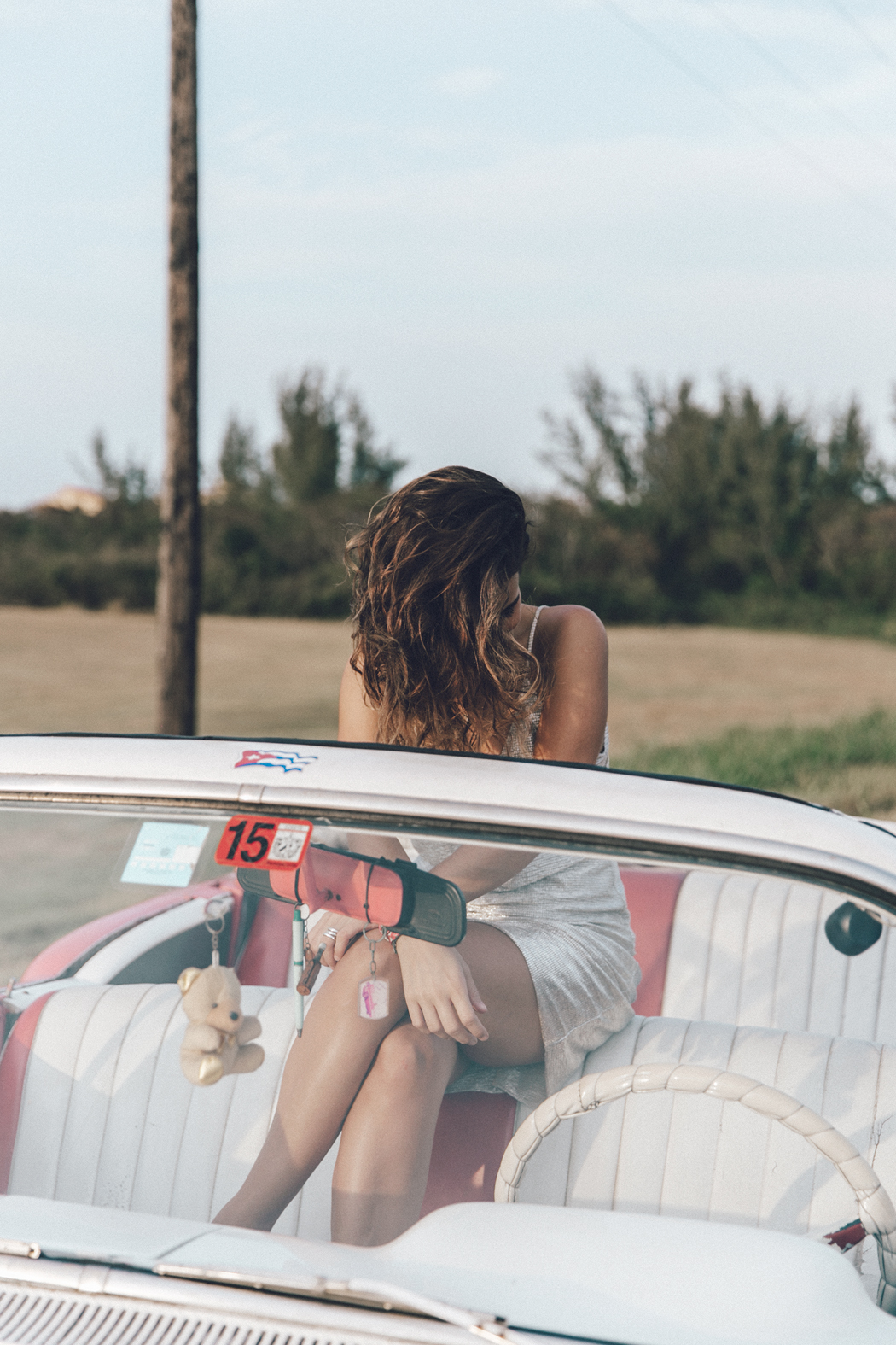 Cuba-Varadero-Vintage_Car-Silver_Dress-Floral_Scarf-Isabel_Marant_Sandals-Outfit-COllage_On_The_Road-7