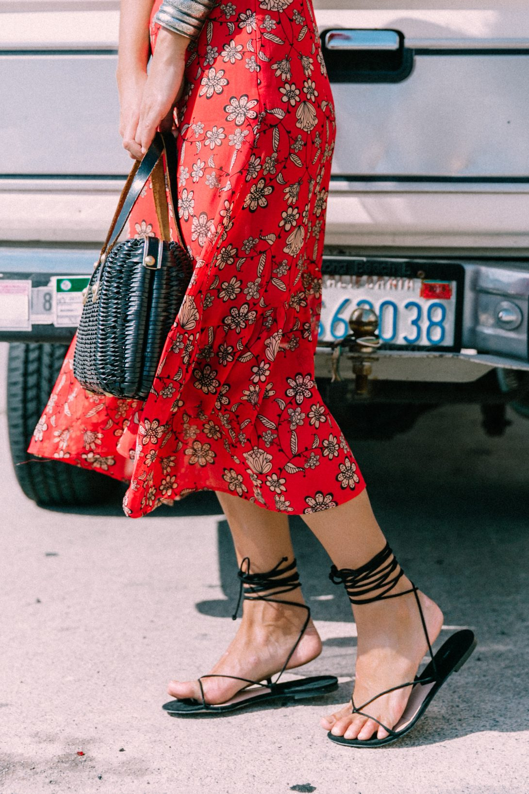 For_Love_And_Lemons-Raffia_Basket-Vintage-Cropped_Top-Midi_Skirt-Lace_Up_Sandals-Revolve_Clothing-Outfit-Collage_Vintage--10