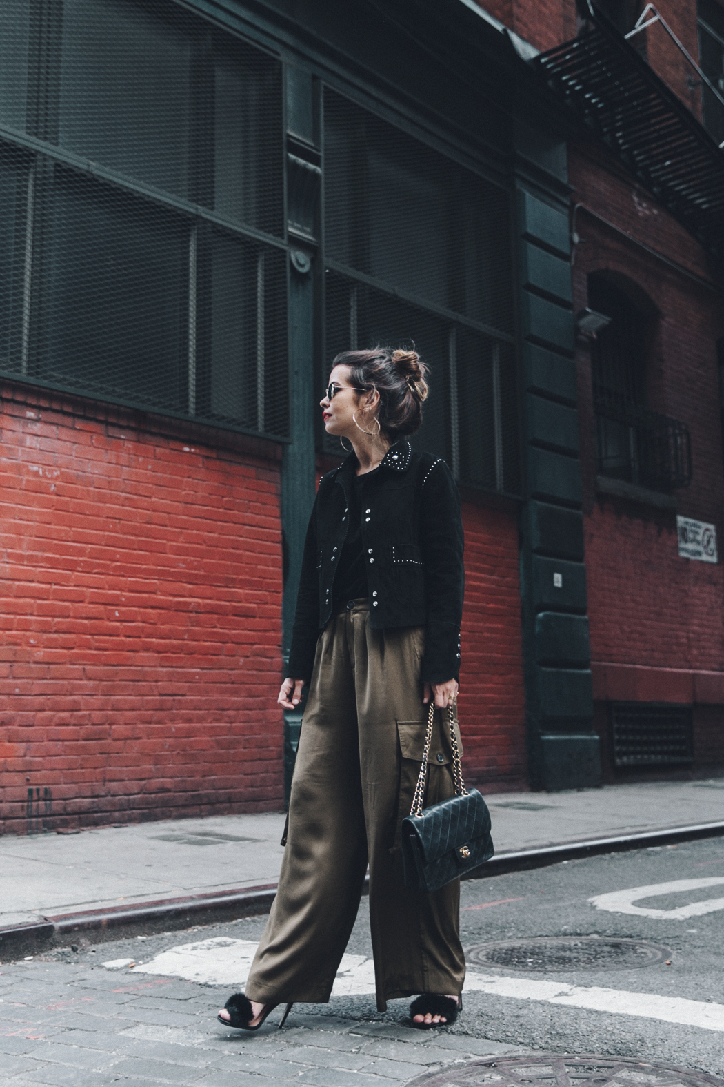 Khaki_Trousers-Sandro_Suede_Jacket-BNKR_Sandals-Fur_Sandals-Chanel_Bag-Outfit-Street_Style-NYC-1
