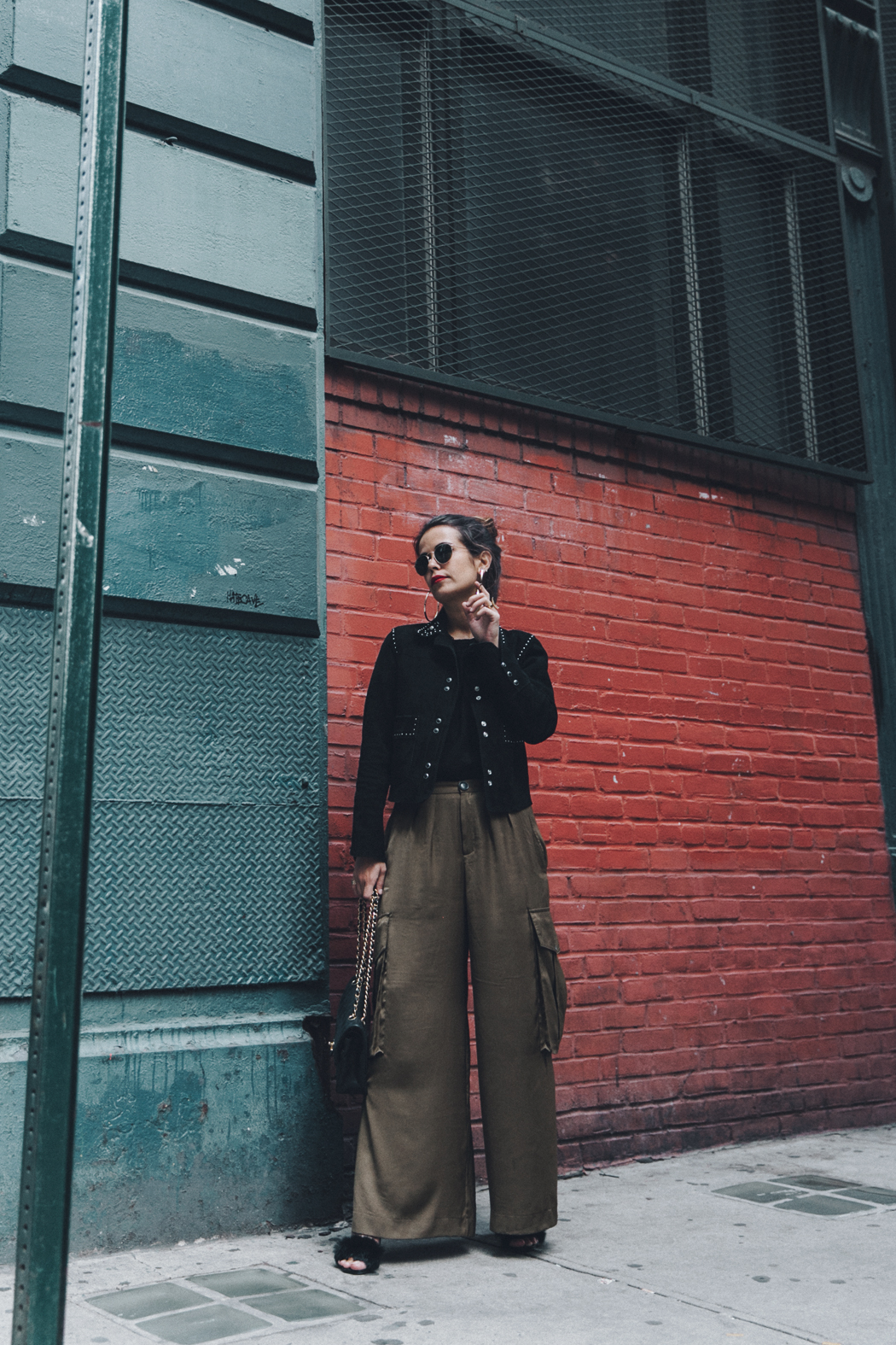 Khaki_Trousers-Sandro_Suede_Jacket-BNKR_Sandals-Fur_Sandals-Chanel_Bag-Outfit-Street_Style-NYC-13
