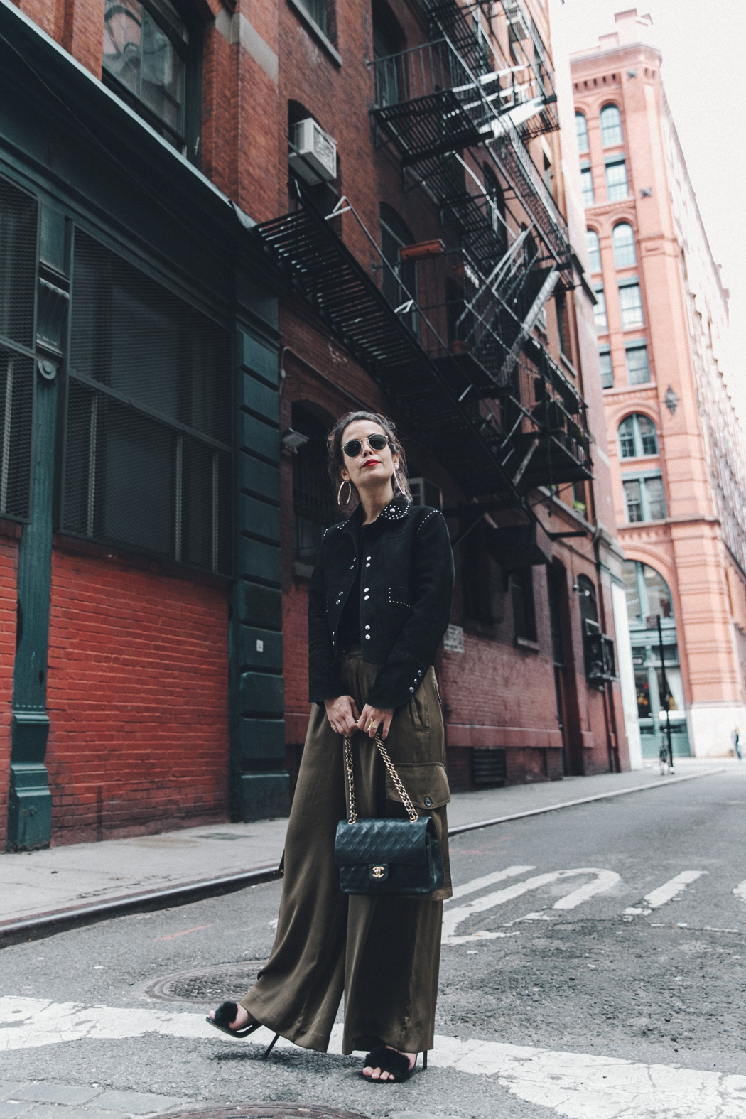 Khaki_Trousers-Sandro_Suede_Jacket-BNKR_Sandals-Fur_Sandals-Chanel_Bag-Outfit-Street_Style-NYC-37