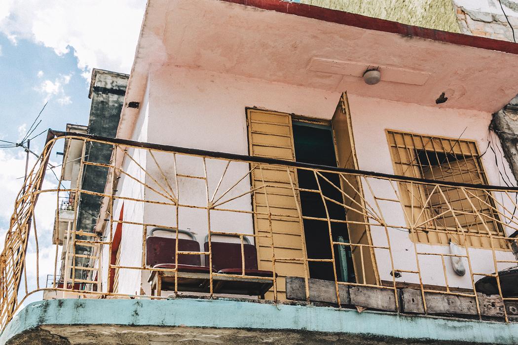 La_Habana-Cuba-Collage_On_The_Road-Fresa_Y_Chocolate-La_Guarida-Mint_Dress-Revolve_Clothing-Espadrilles-Outfit-Collage_Vintage-43