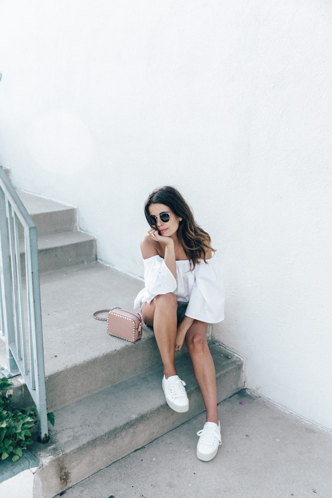 Off_The_Shoulders-Chicwish-Valentino_Bag-Monnier_Fevres-Sneakers-Saint_Laurent-Reformation_Shorts-Outfit-Los_Angeles--84