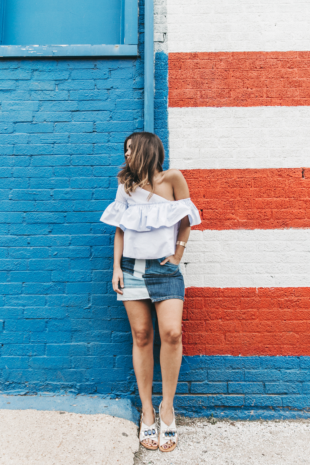 Patchwork_Denim_Skirt-Off_Shoulders-Assymetric_Top-Stripes-Marni_Sandals-Outfit-Dallas-10
