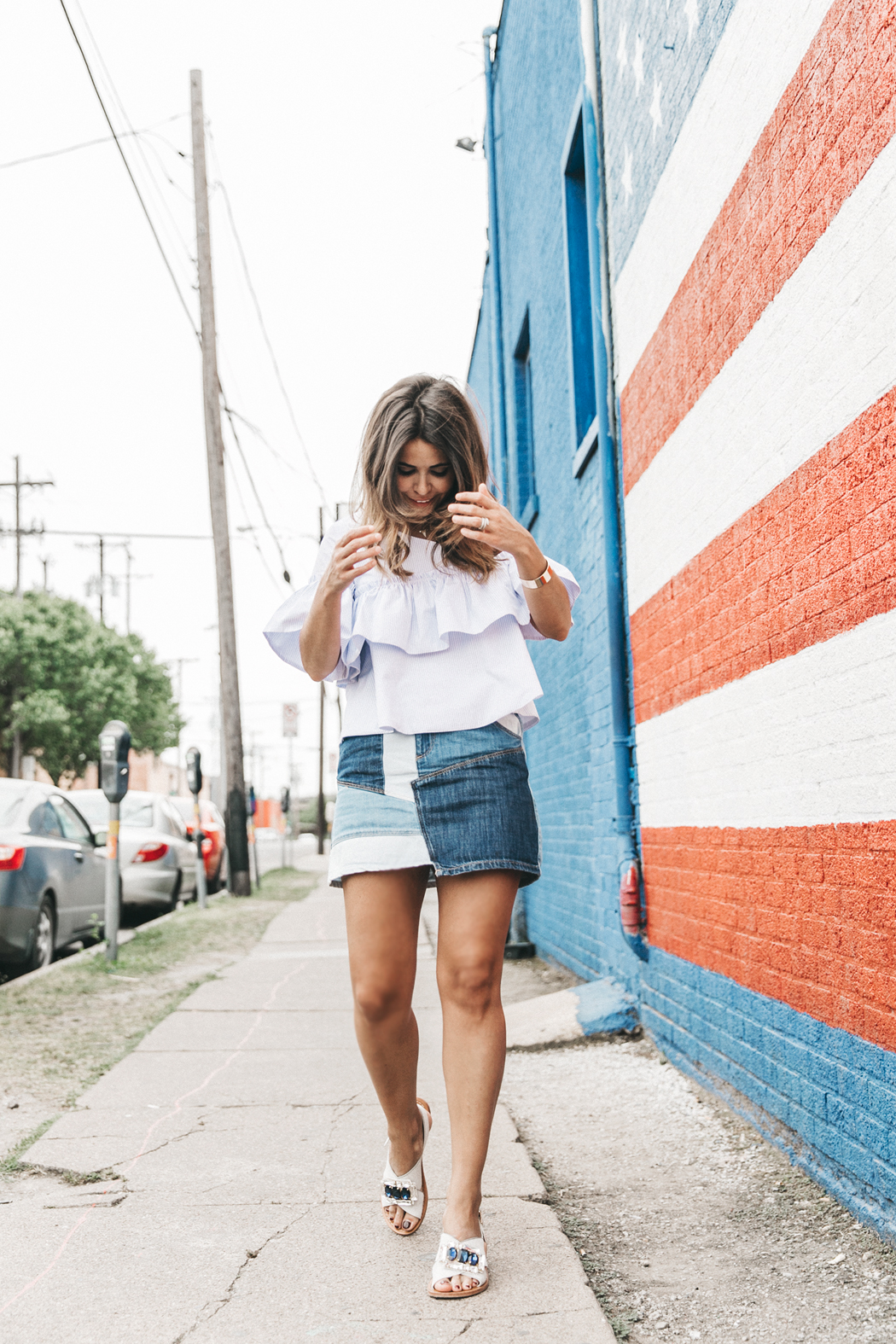 Patchwork_Denim_Skirt-Off_Shoulders-Assymetric_Top-Stripes-Marni_Sandals-Outfit-Dallas-49