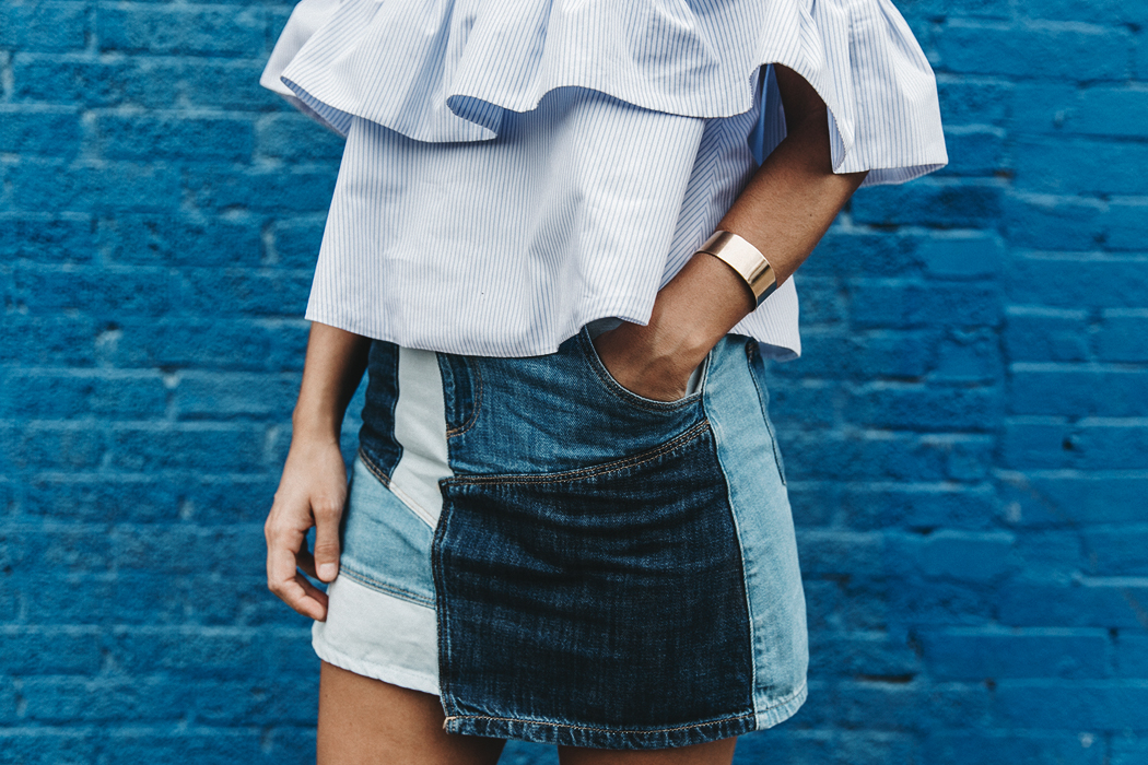 Patchwork_Denim_Skirt-Off_Shoulders-Assymetric_Top-Stripes-Marni_Sandals-Outfit-Dallas-61