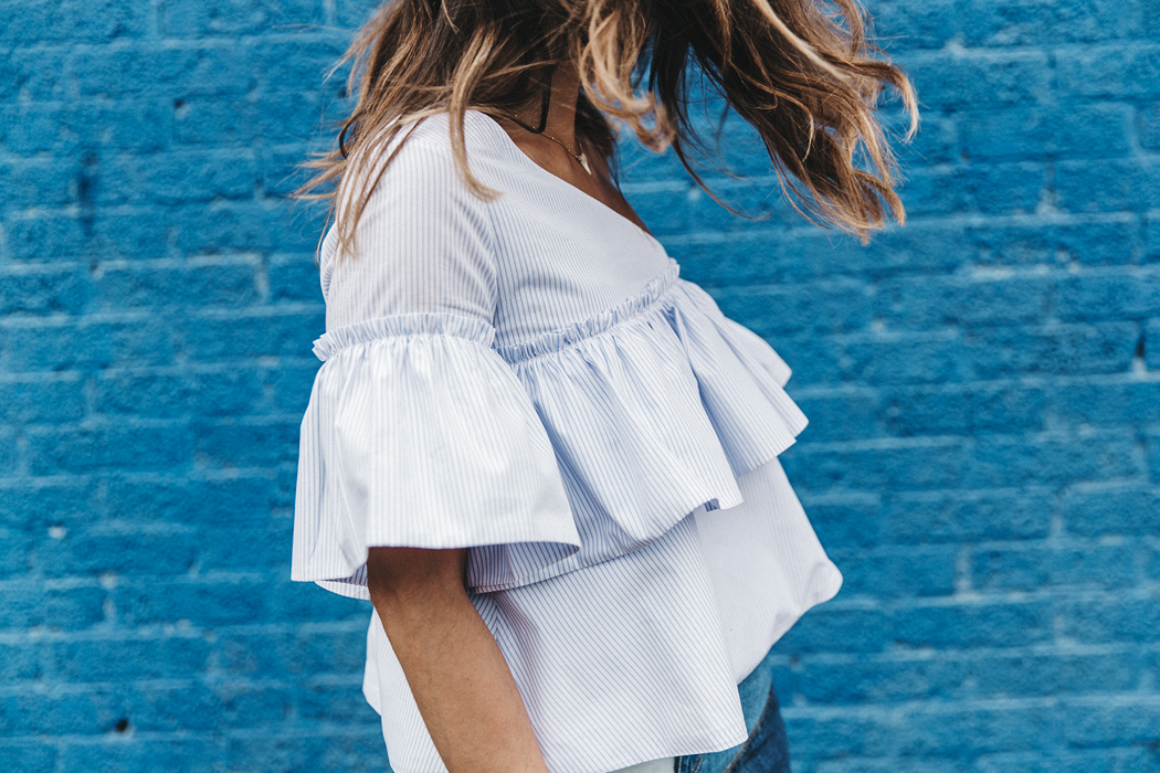 Patchwork_Denim_Skirt-Off_Shoulders-Assymetric_Top-Stripes-Marni_Sandals-Outfit-Dallas-62