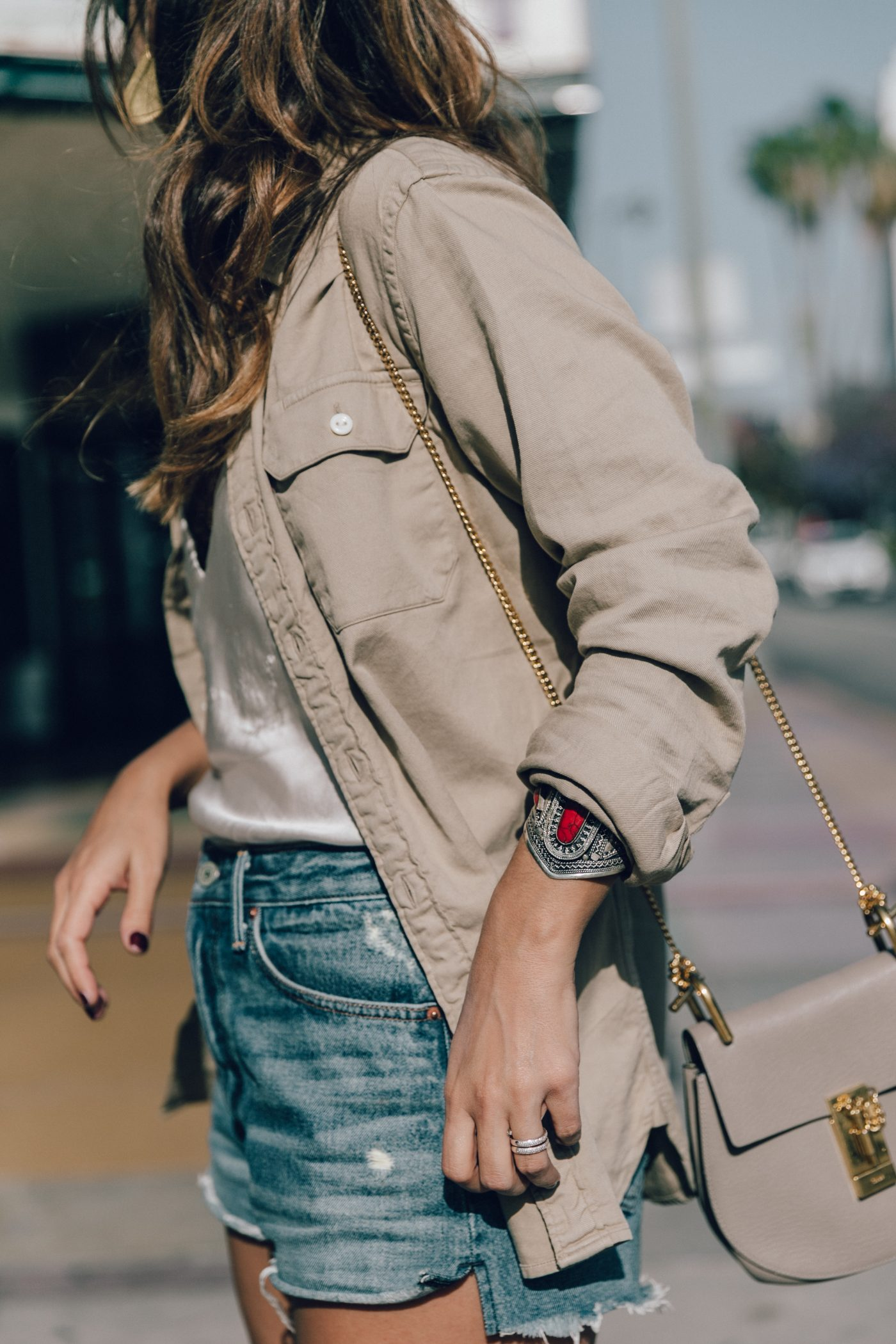 Levis_Shirt-GRLFRND_Denim-Chloe_Bag-Los_Angeles-Shorts-Outfit-Street_Style-Ray_Ban-Street_Style-Collage_Vintage-24