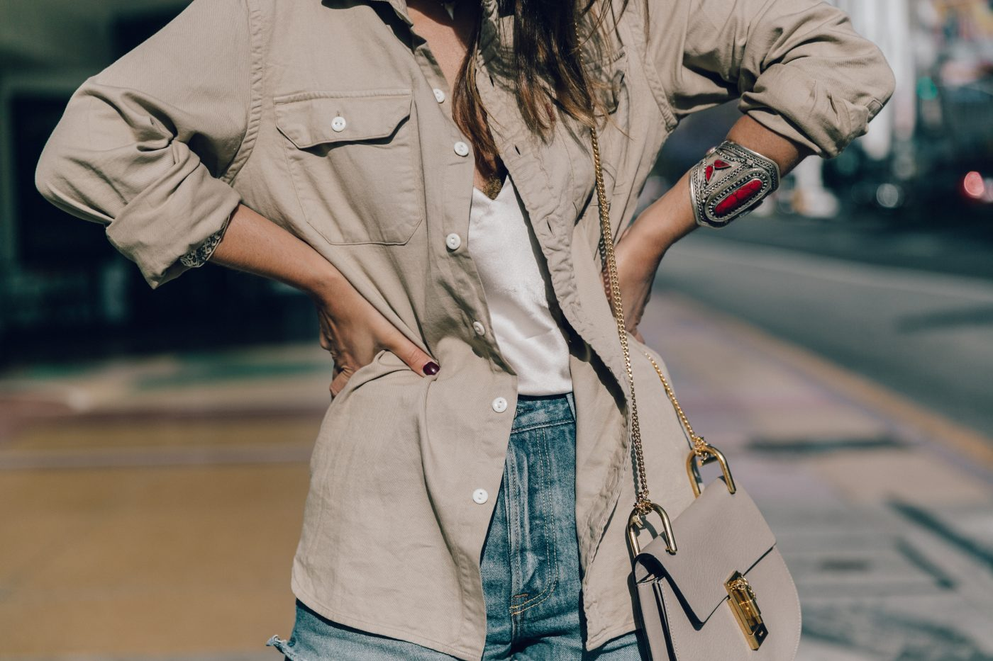Levis_Shirt-GRLFRND_Denim-Chloe_Bag-Los_Angeles-Shorts-Outfit-Street_Style-Ray_Ban-Street_Style-Collage_Vintage-28
