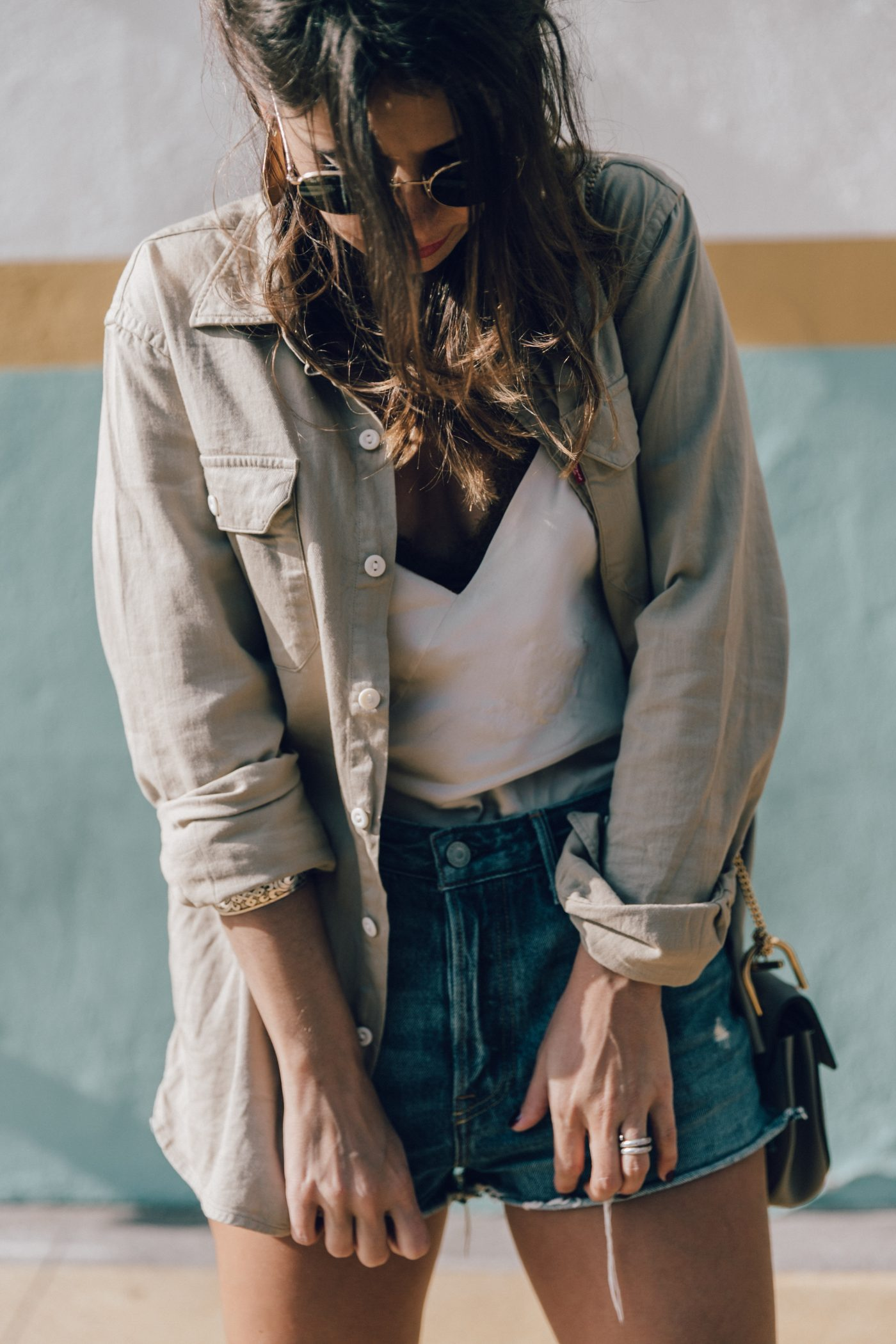 Levis_Shirt-GRLFRND_Denim-Chloe_Bag-Los_Angeles-Shorts-Outfit-Street_Style-Ray_Ban-Street_Style-Collage_Vintage-38