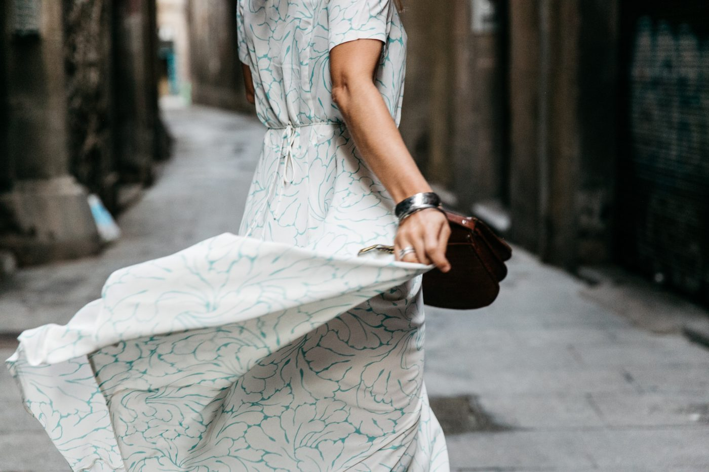 Long_Dress-HM_Leather_Bag-Maje_Sandals-Outfit-Primavera_Sound-Collage_Vintage-Street_Style-17