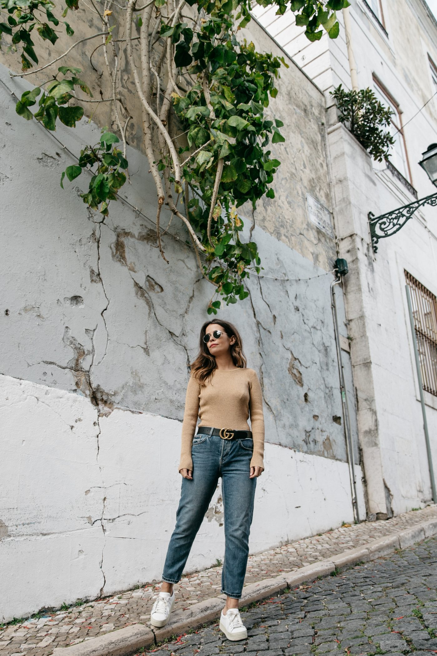 Metallic_Sweater-Cameo_The_Label-Melie-Lisboa-Denim-Topshop-Gucci_Belt-Saint_Laurent_Sneakers-Outfit-Street_Style-30