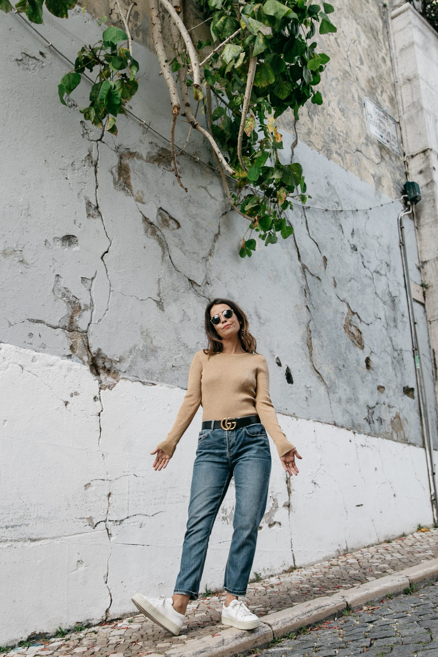 Metallic_Sweater-Cameo_The_Label-Melie-Lisboa-Denim-Topshop-Gucci_Belt-Saint_Laurent_Sneakers-Outfit-Street_Style-34