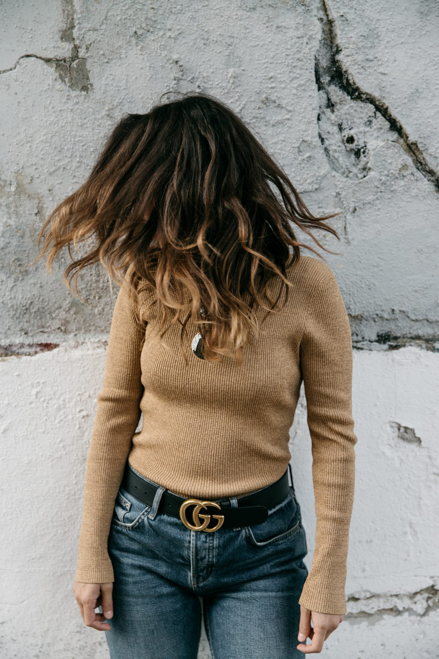 Metallic_Sweater-Cameo_The_Label-Melie-Lisboa-Denim-Topshop-Gucci_Belt-Saint_Laurent_Sneakers-Outfit-Street_Style-55