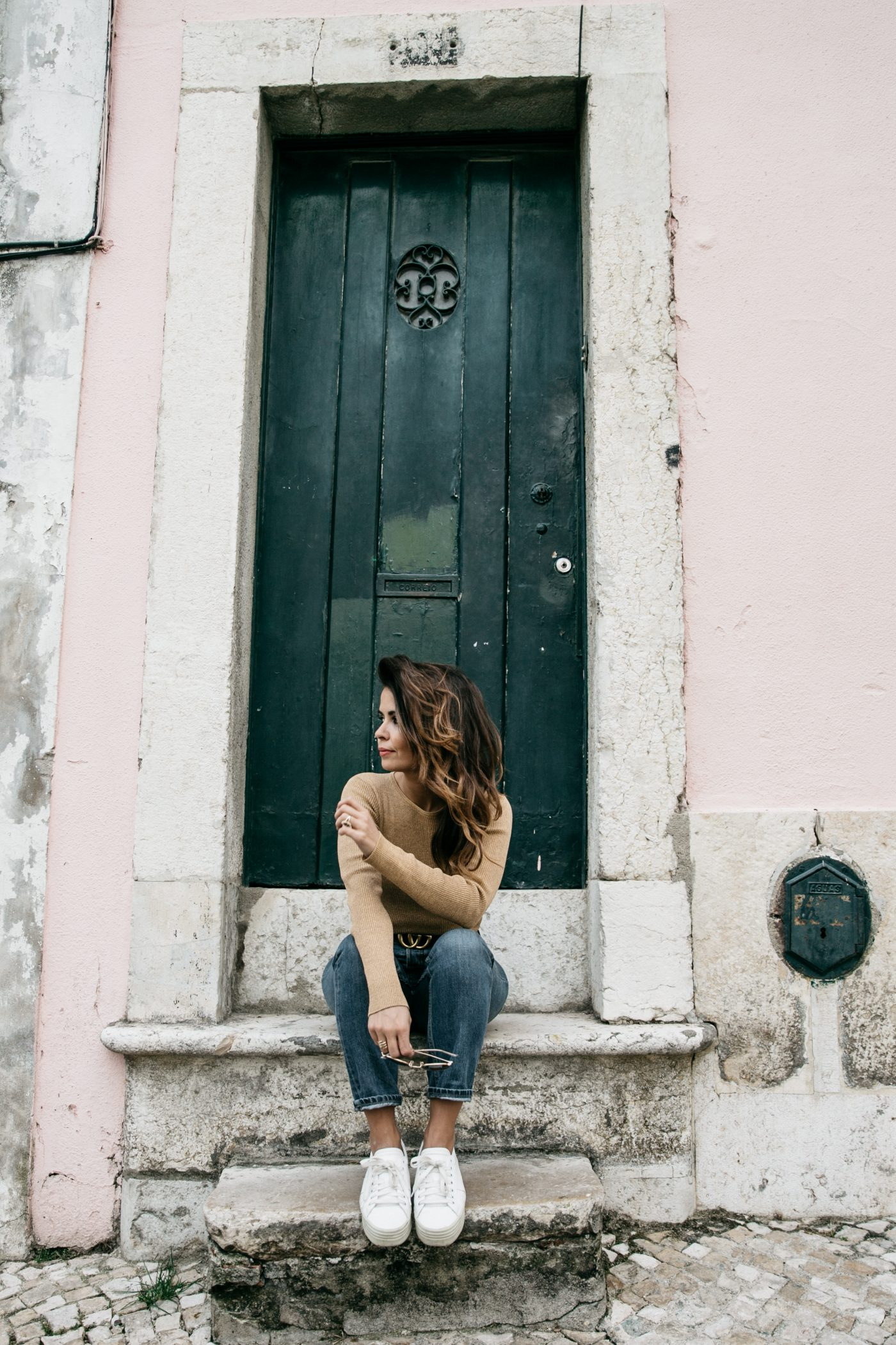 Metallic_Sweater-Cameo_The_Label-Melie-Lisboa-Denim-Topshop-Gucci_Belt-Saint_Laurent_Sneakers-Outfit-Street_Style-57