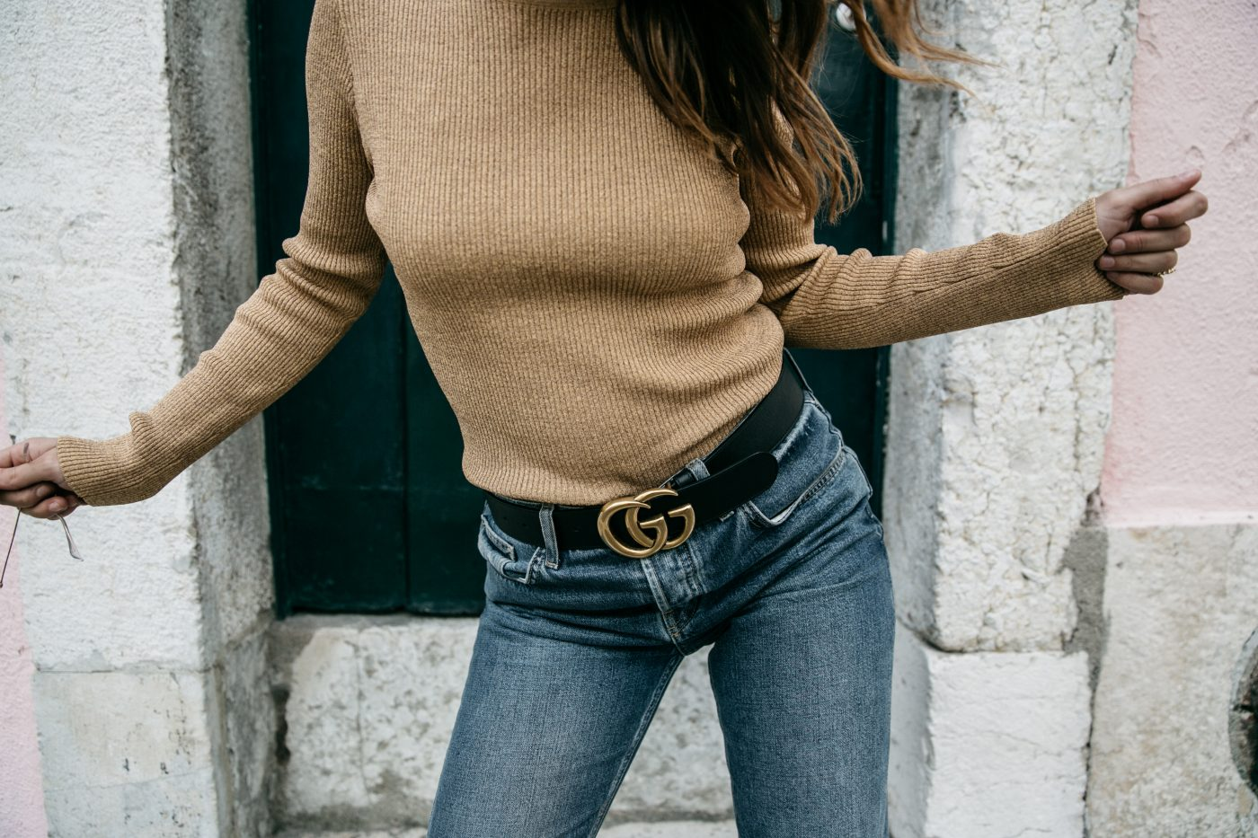 Metallic_Sweater-Cameo_The_Label-Melie-Lisboa-Denim-Topshop-Gucci_Belt-Saint_Laurent_Sneakers-Outfit-Street_Style-66