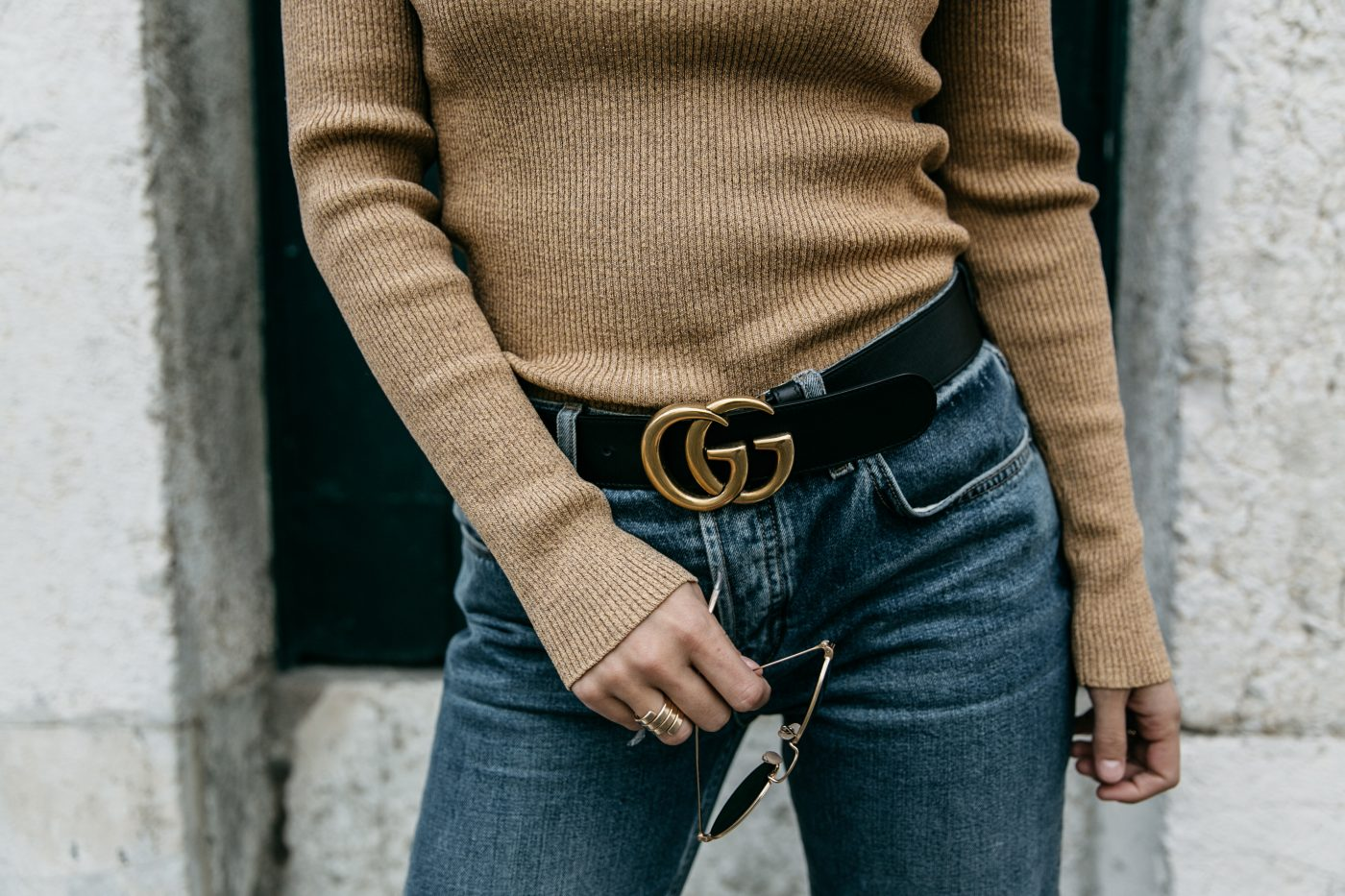Metallic_Sweater-Cameo_The_Label-Melie-Lisboa-Denim-Topshop-Gucci_Belt-Saint_Laurent_Sneakers-Outfit-Street_Style-69