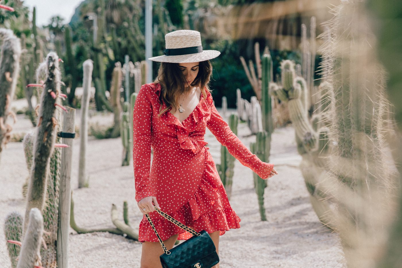 Realisation_Par_Dress-Star_Print-Red_Dress-Outfit-Catonier-Hat-Lack_Of_Color-Black_Sandals_Topshop-Barcelona-Collage_Vintage-Mossen_Gardens-108