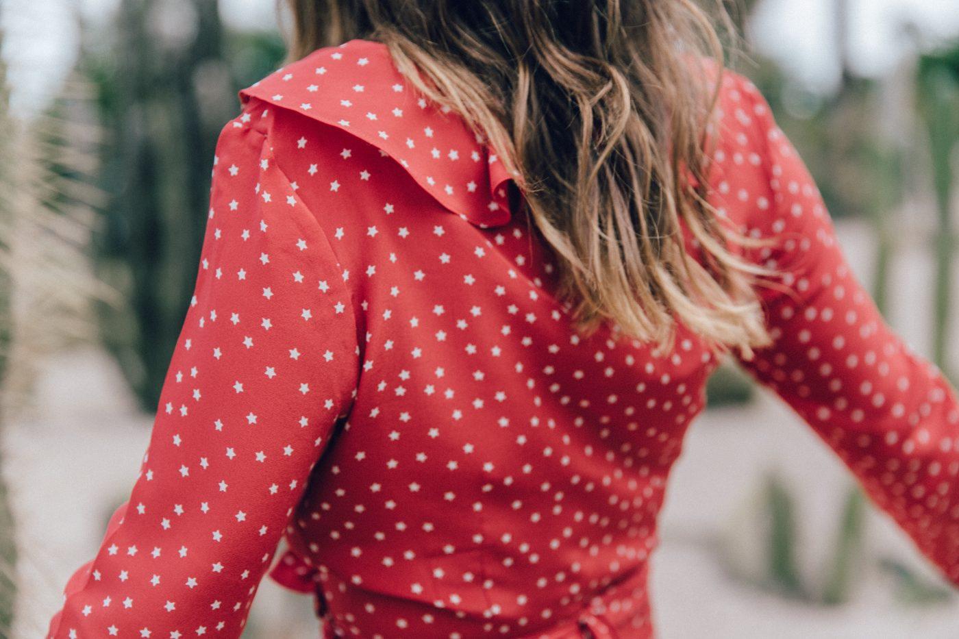 Realisation_Par_Dress-Star_Print-Red_Dress-Outfit-Catonier-Hat-Lack_Of_Color-Black_Sandals_Topshop-Barcelona-Collage_Vintage-Mossen_Gardens-131