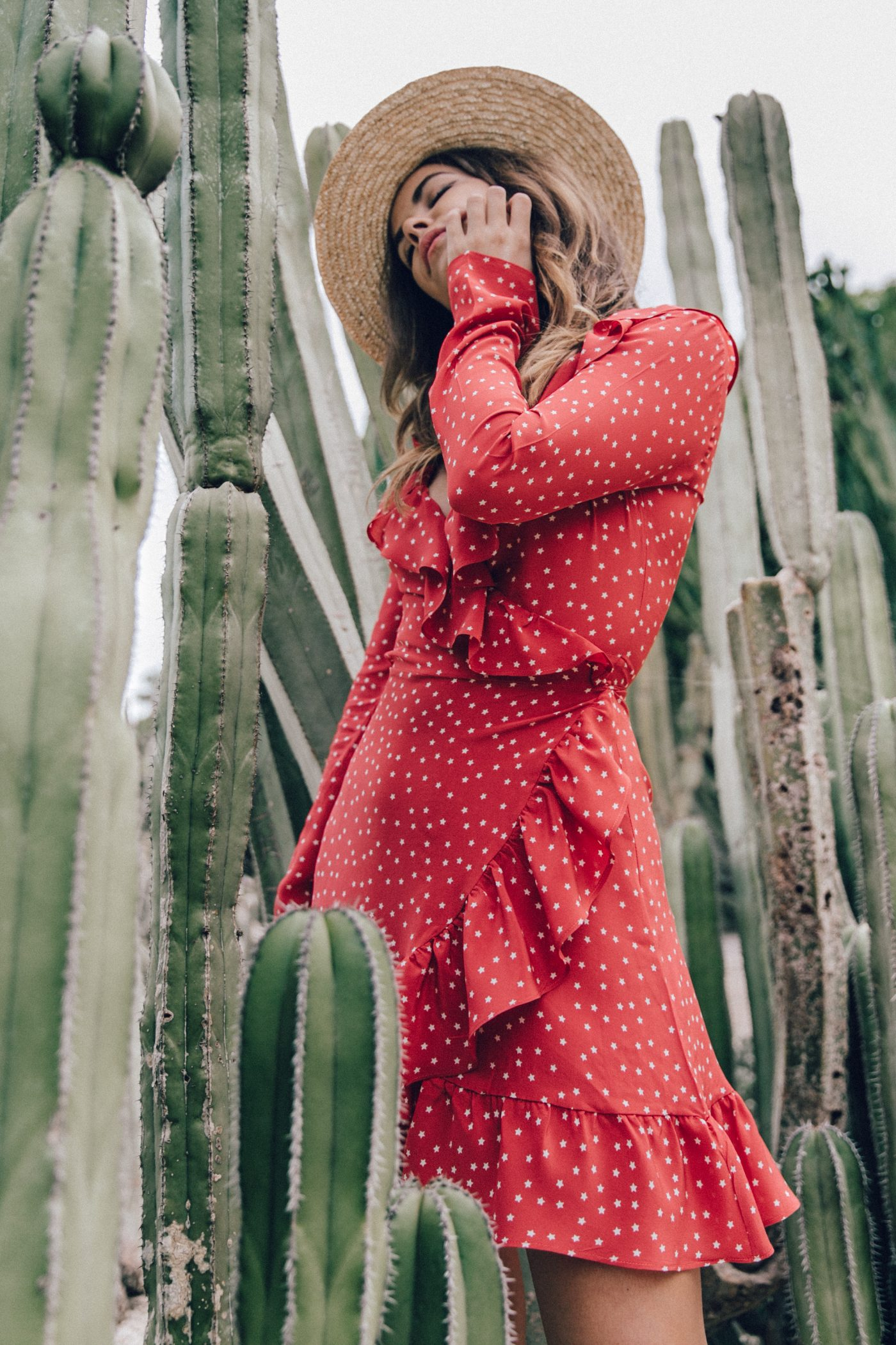 Realisation_Par_Dress-Star_Print-Red_Dress-Outfit-Catonier-Hat-Lack_Of_Color-Black_Sandals_Topshop-Barcelona-Collage_Vintage-Mossen_Gardens-38