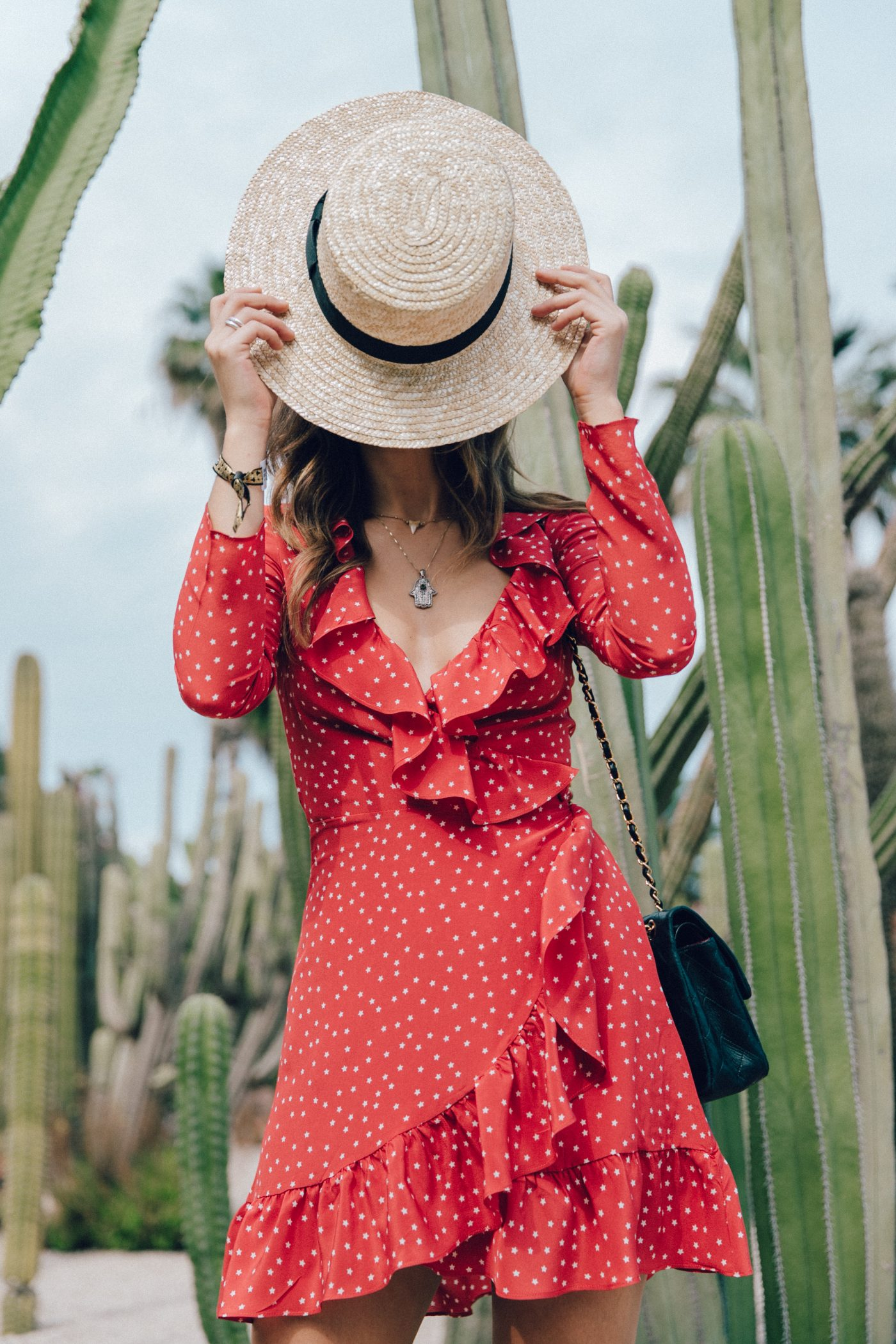 Realisation_Par_Dress-Star_Print-Red_Dress-Outfit-Catonier-Hat-Lack_Of_Color-Black_Sandals_Topshop-Barcelona-Collage_Vintage-Mossen_Gardens-64