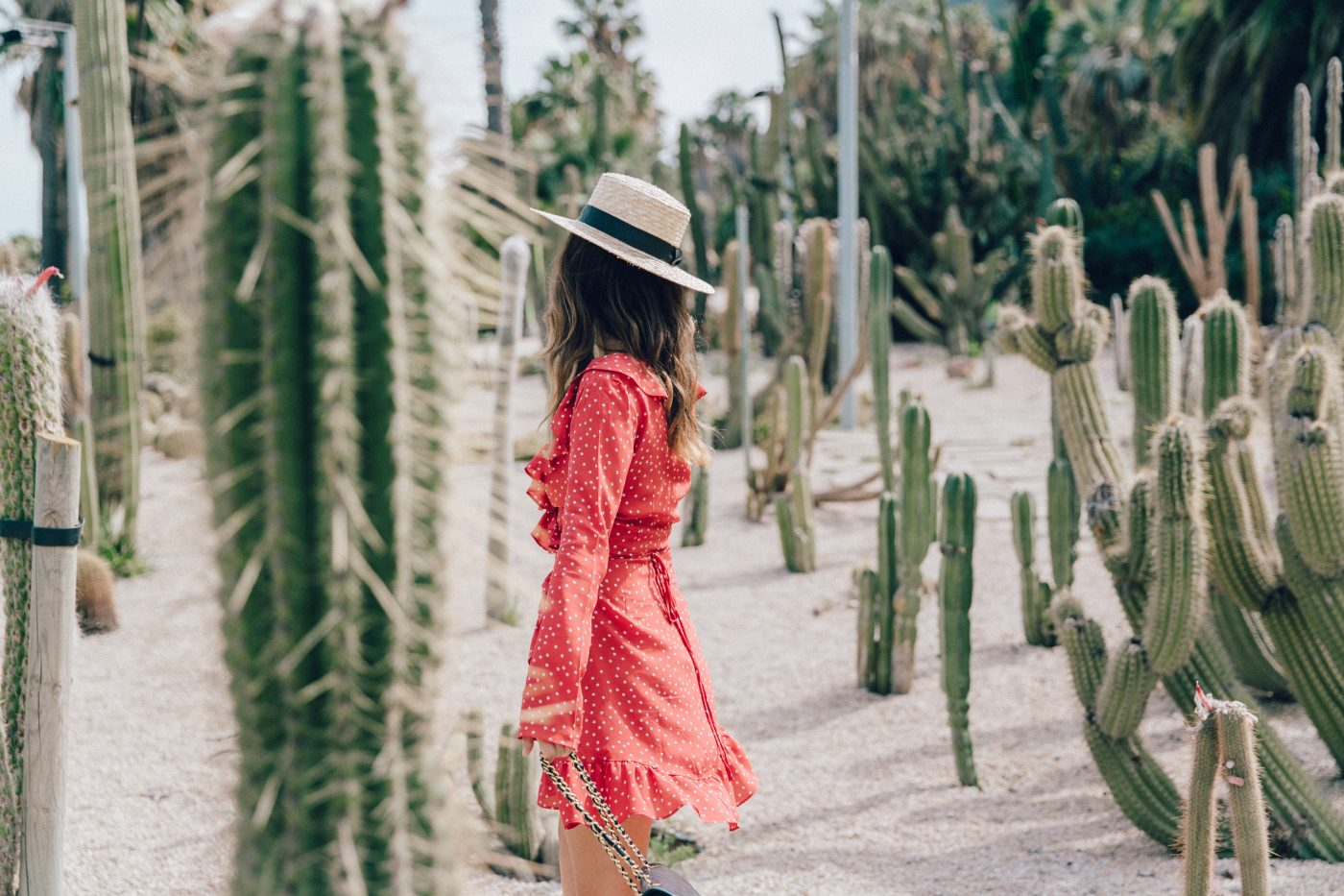 Realisation_Par_Dress-Star_Print-Red_Dress-Outfit-Catonier-Hat-Lack_Of_Color-Black_Sandals_Topshop-Barcelona-Collage_Vintage-Mossen_Gardens-74