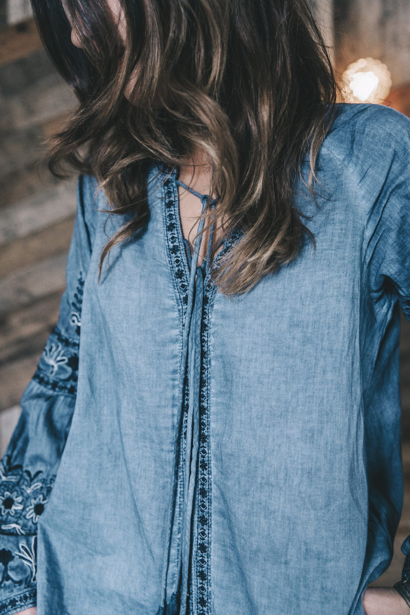 River_Island-Dry_Martina-Boho_Top-Blue_Blouse-White_Jeans-Espadrilles-Outfit-Street_Style-22