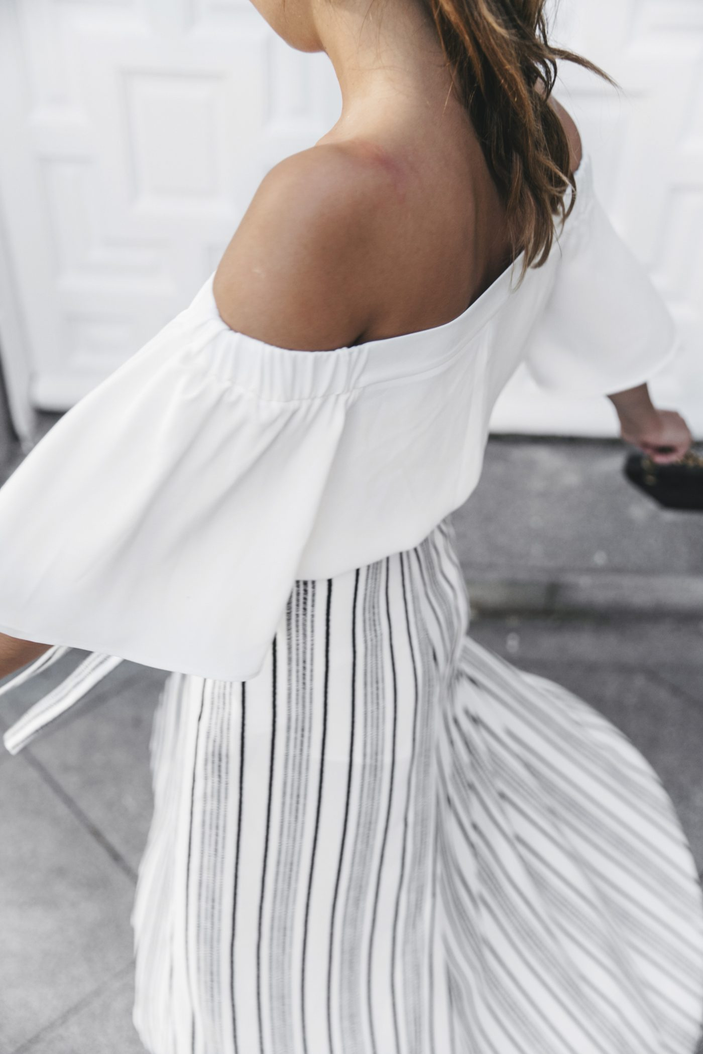 River_Island-El_Imparcial-Striped_SKirt-Off_Shoulders_Top-Lace_Up_Sandals-CHanel_Vintage_Bag-15