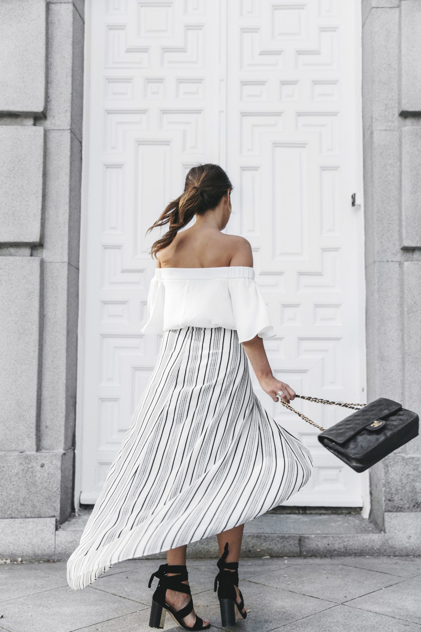 River_Island-El_Imparcial-Striped_SKirt-Off_Shoulders_Top-Lace_Up_Sandals-CHanel_Vintage_Bag-17