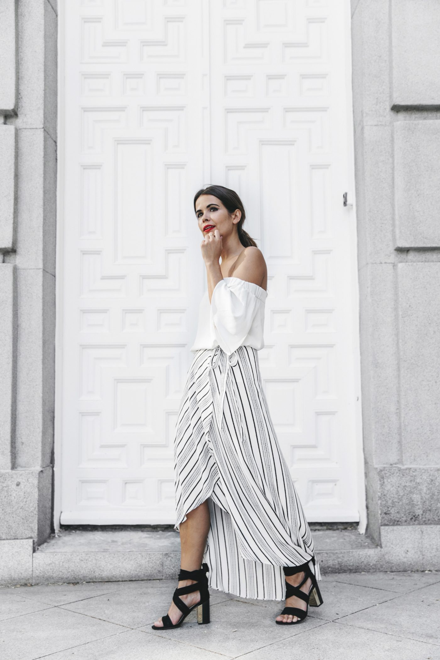 River_Island-El_Imparcial-Striped_SKirt-Off_Shoulders_Top-Lace_Up_Sandals-CHanel_Vintage_Bag-22