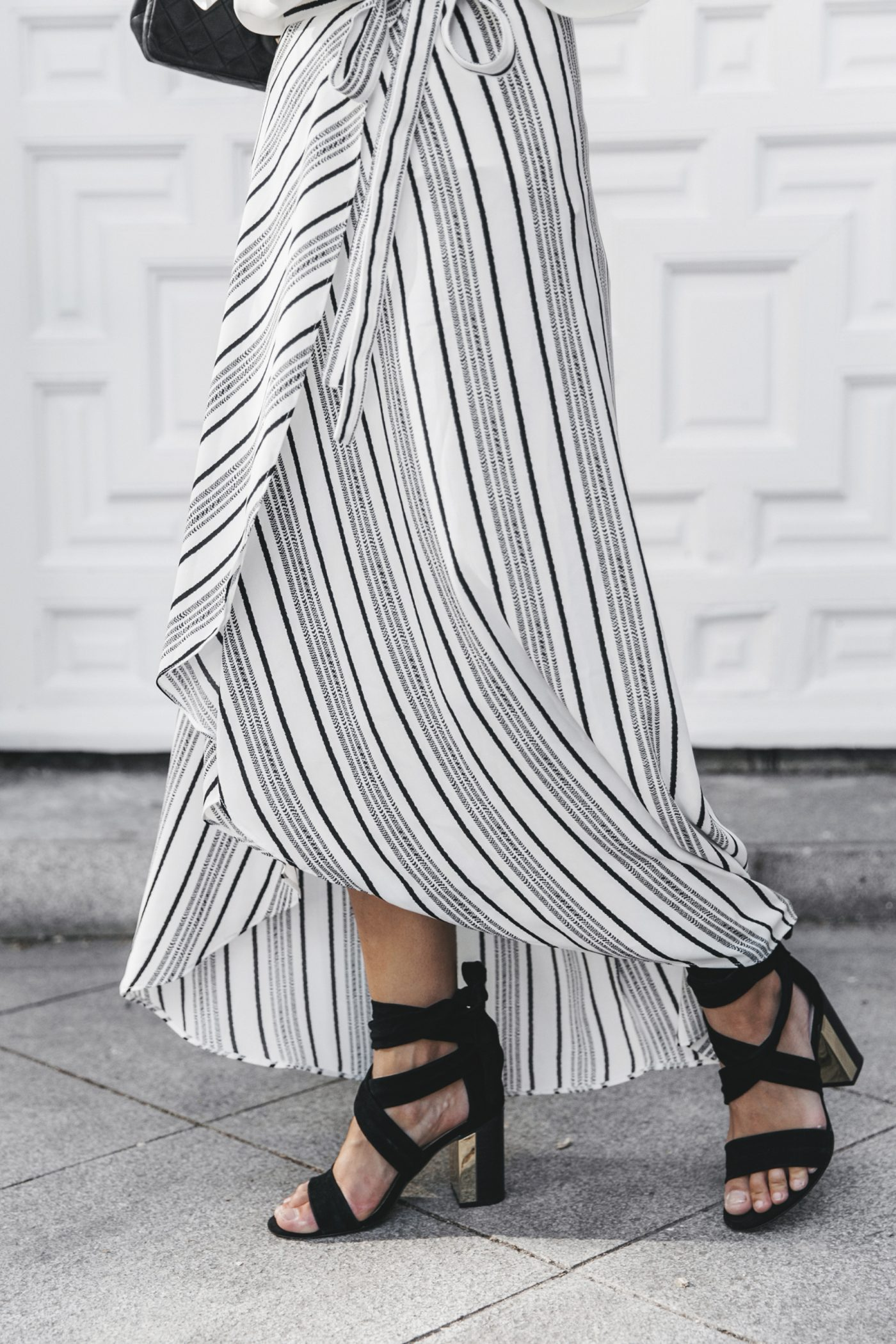 River_Island-El_Imparcial-Striped_SKirt-Off_Shoulders_Top-Lace_Up_Sandals-CHanel_Vintage_Bag-24