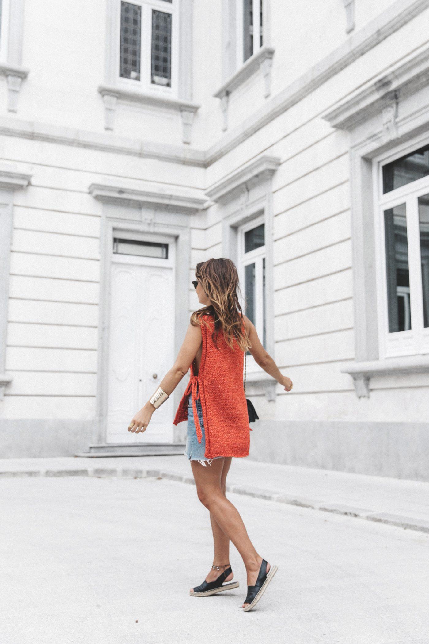 Summery_knit-Levis_Vintage_Skirt-Zalando_Espadrilles-Black_Sandals-Collage_Vintage_Horn_Necklace-Outfit-Street_Style-36