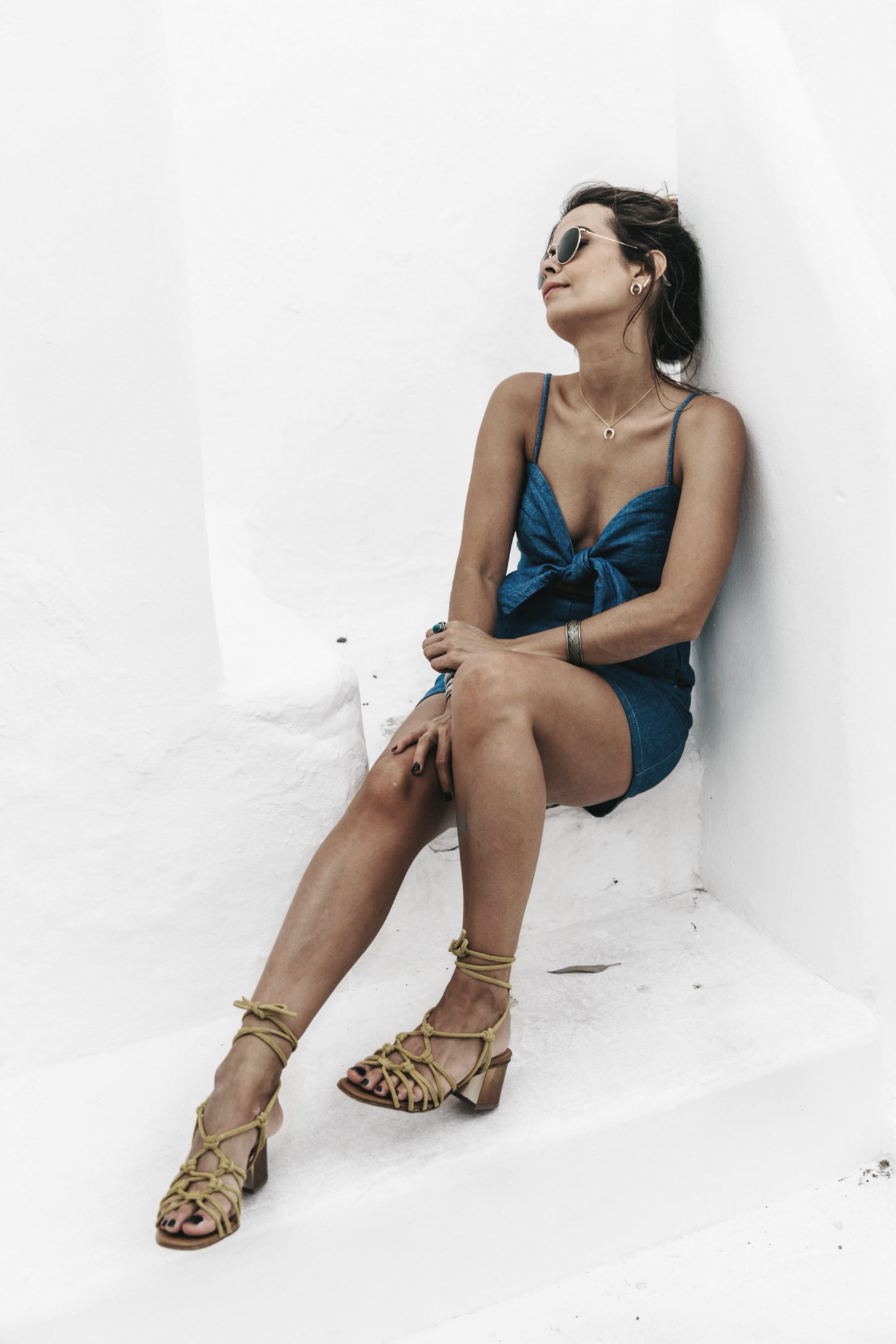 Topshop_Festival-Denim_Cut_Out_Dress-Yellow_Sandals-Outfit-Topknot-Mikonos-Street_Style-76