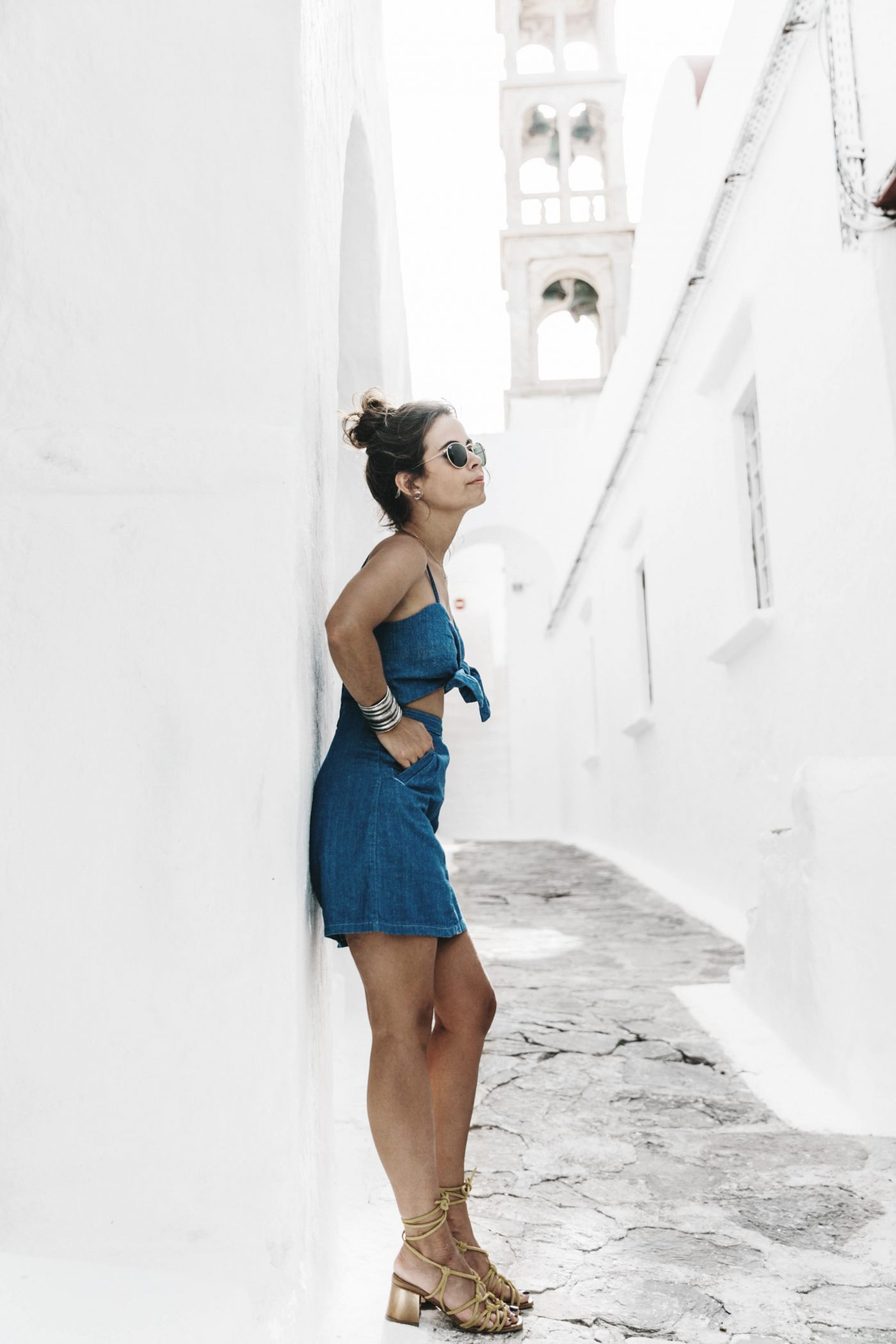 Topshop_Festival-Denim_Cut_Out_Dress-Yellow_Sandals-Outfit-Topknot-Mikonos-Street_Style-88