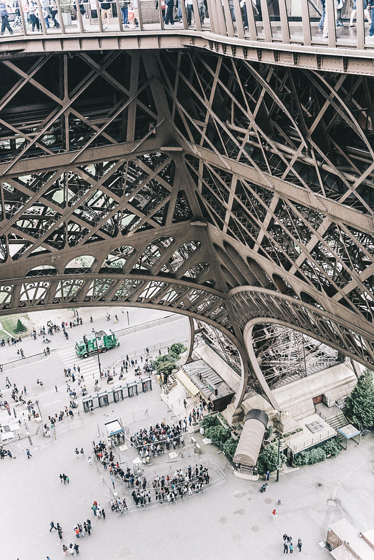 Home_Away_Paris-Tour_Eiffel-17
