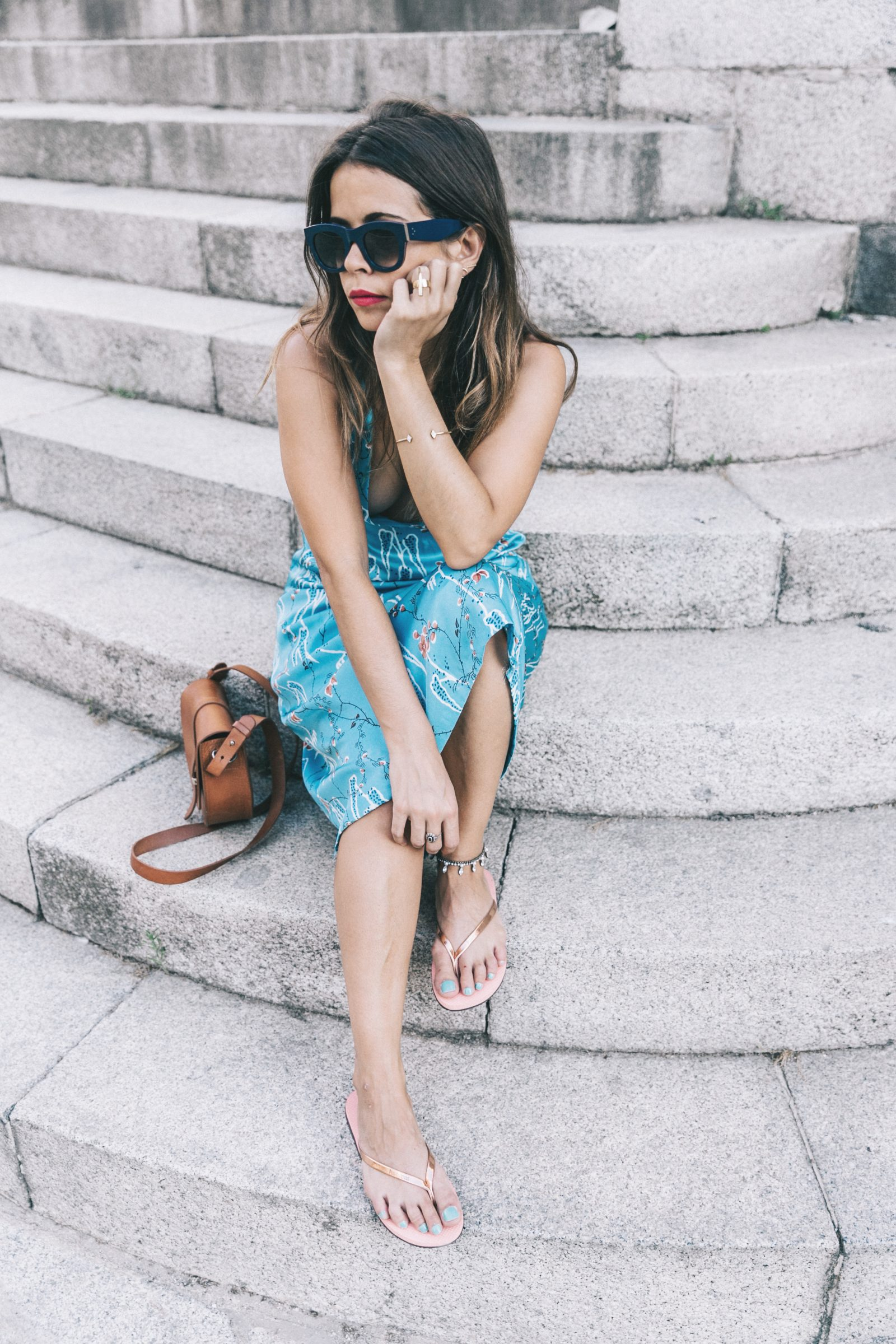 Outfit-Floral_Dress-Havaianas_Sandals-Summer-Sezane_Bag-Street_Style-Celine_Sunglasses-Collage_Vintage