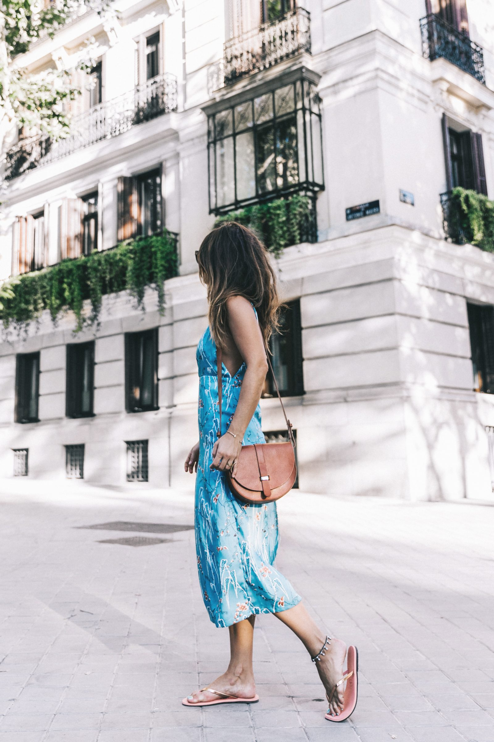 Outfit-Floral_Dress-Havaianas_Sandals-Summer-Sezane_Bag-Street_Style-Celine_Sunglasses-Collage_Vintage-8