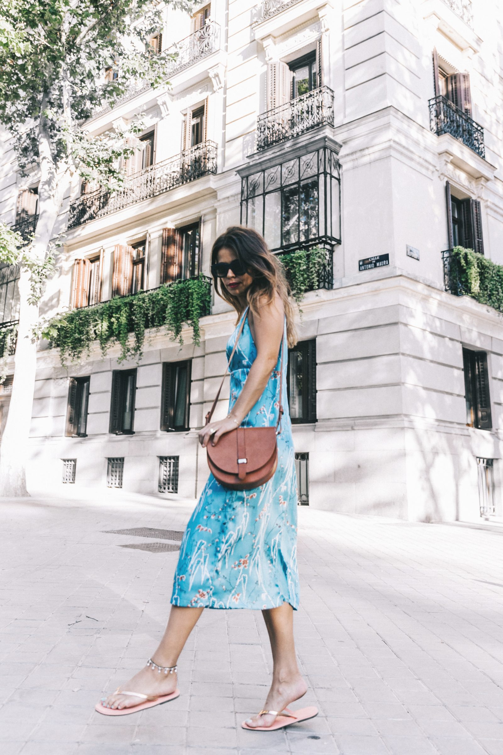 Outfit-Floral_Dress-Havaianas_Sandals-Summer-Sezane_Bag-Street_Style-Celine_Sunglasses-Collage_Vintage-9