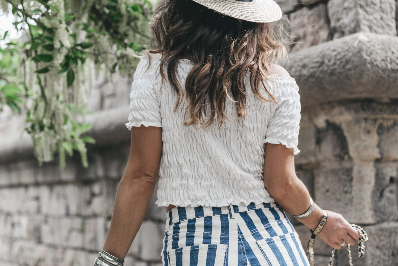 Primavera_Sound-HM-Stripped_Shorts-Canotier-Hat-Espadrilles-Outfit-Summer-Collage_Vintage-27