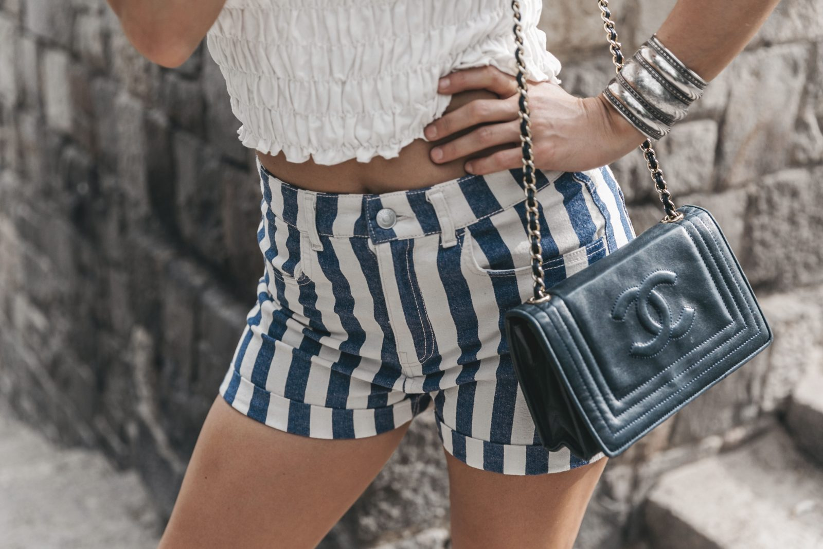 Primavera_Sound-HM-Stripped_Shorts-Canotier-Hat-Espadrilles-Outfit-Summer-Collage_Vintage-39