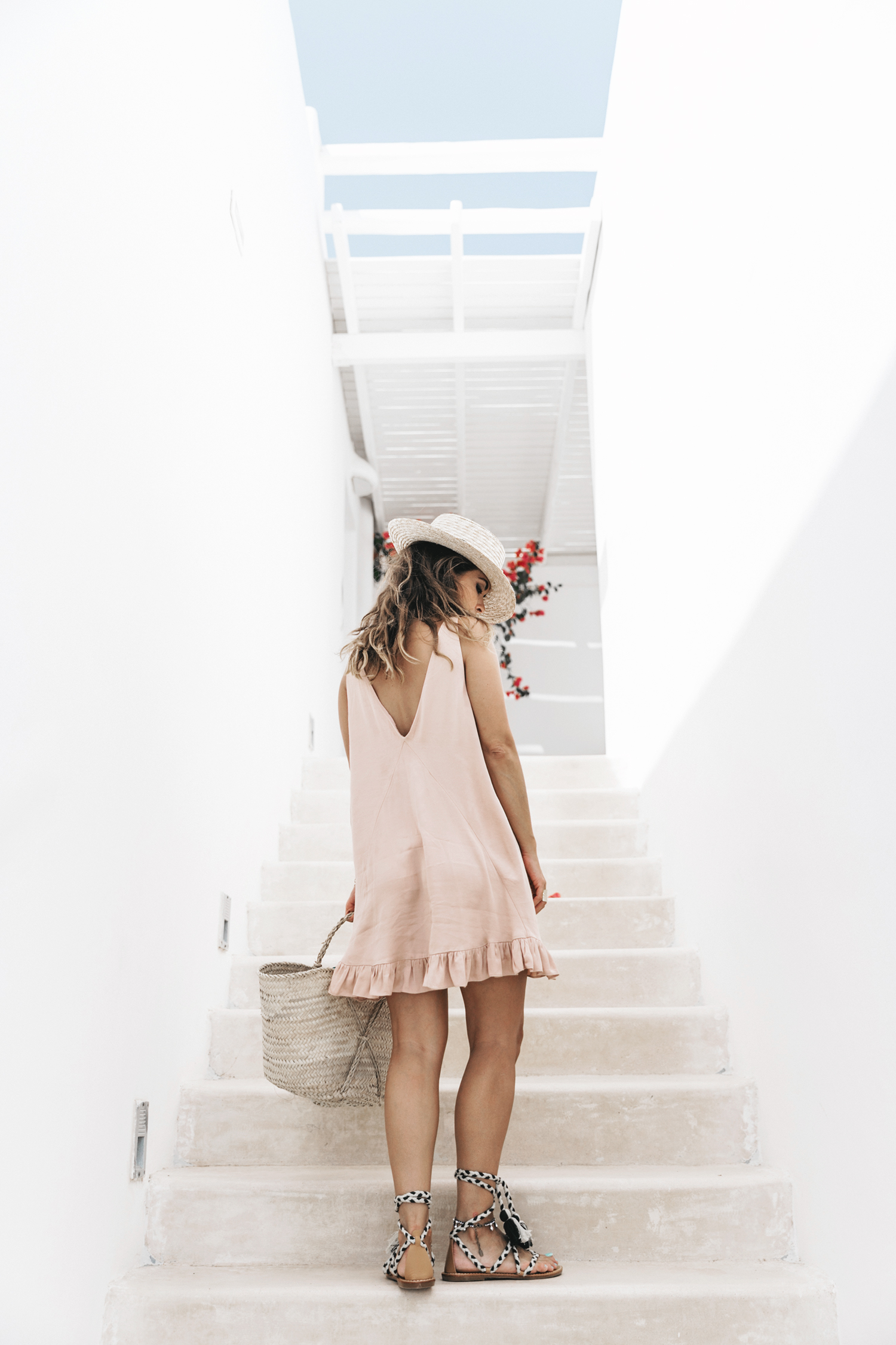 Soludos-Soludos_Escapes-Light_Pink_Dress-Knotted_Sandals-Mykonos-Greece-Collage_Vintage-Summer_Outfit-Street_Style-28