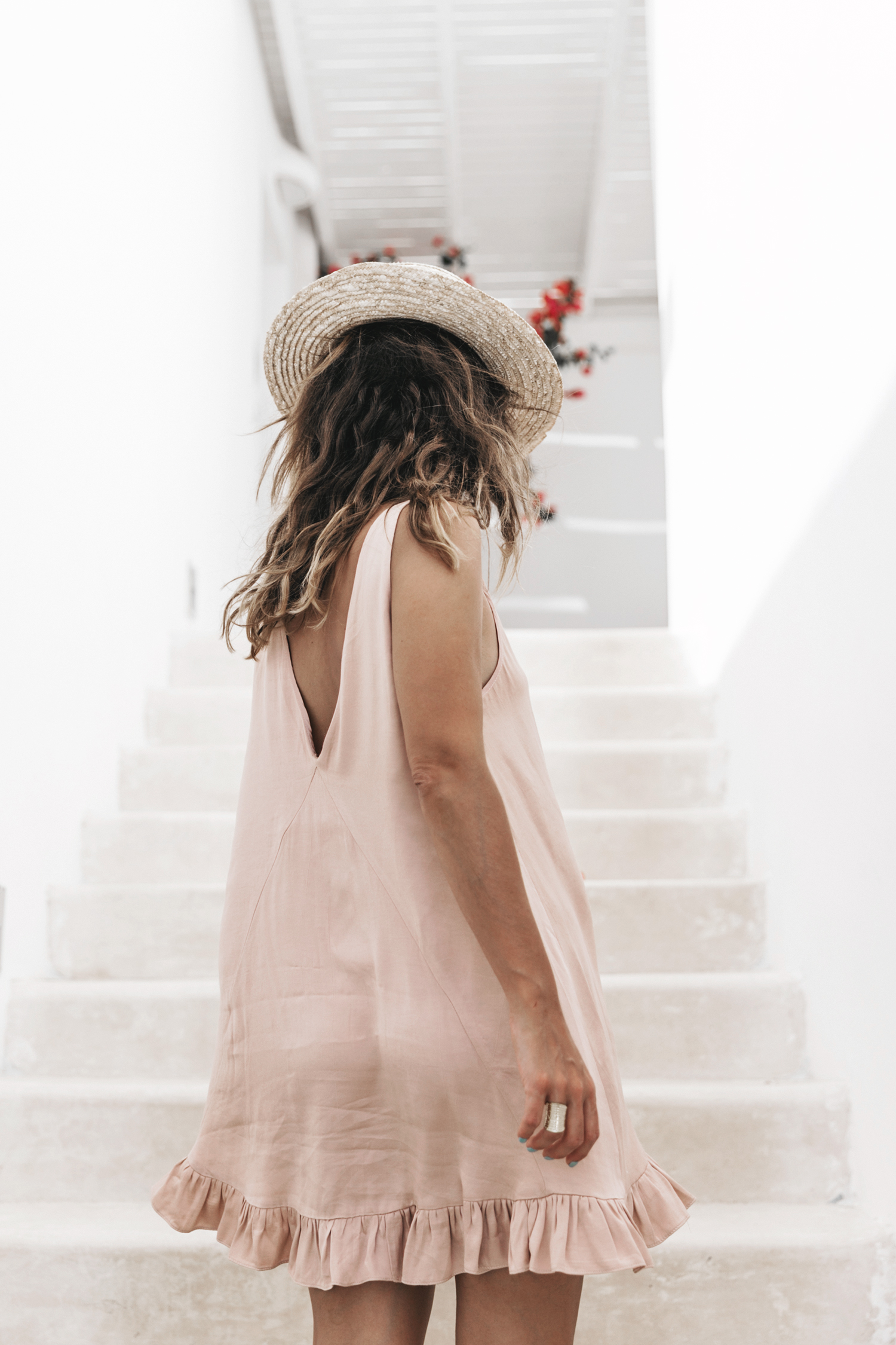 Soludos-Soludos_Escapes-Light_Pink_Dress-Knotted_Sandals-Mykonos-Greece-Collage_Vintage-Summer_Outfit-Street_Style-36