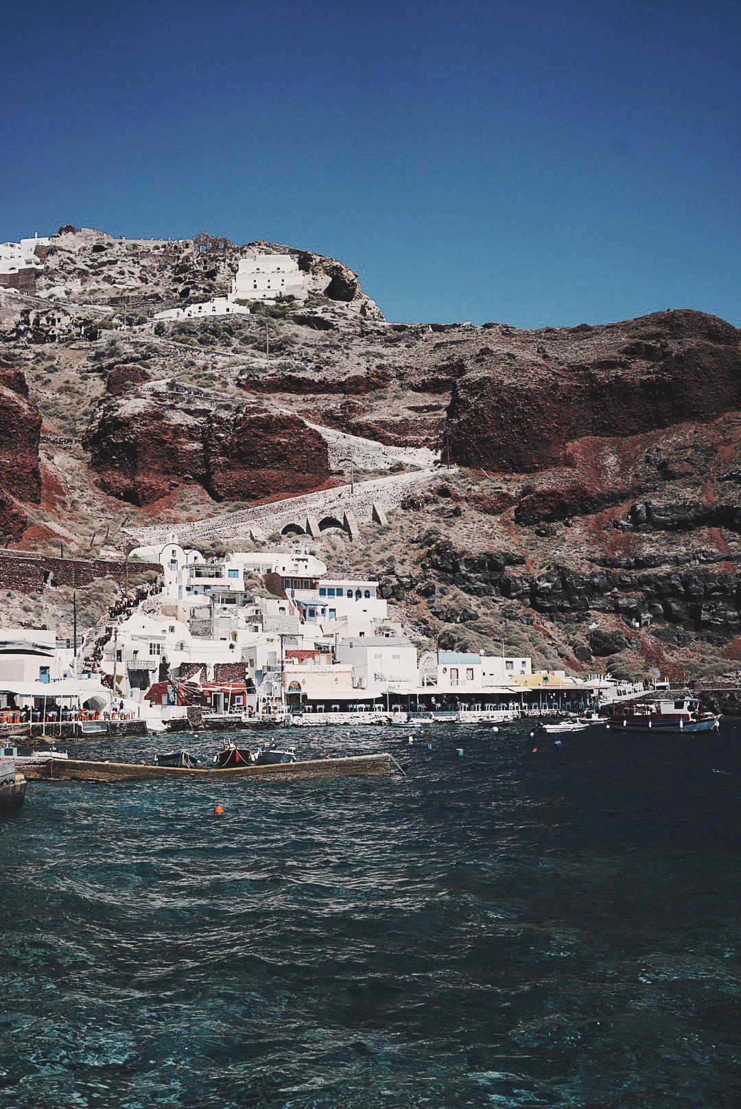 Soludos_Escapes-Boat_Trip-Bikini-Summer_Look-Santorini_Greece-GRLFRND_Jeans-Off_The_Shoulders-Collage_Vintage-Street_Style-Soludos_Espadrilles-16