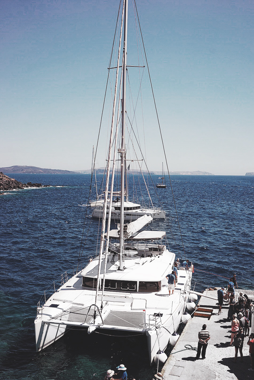 Soludos_Escapes-Boat_Trip-Bikini-Summer_Look-Santorini_Greece-GRLFRND_Jeans-Off_The_Shoulders-Collage_Vintage-Street_Style-Soludos_Espadrilles-40