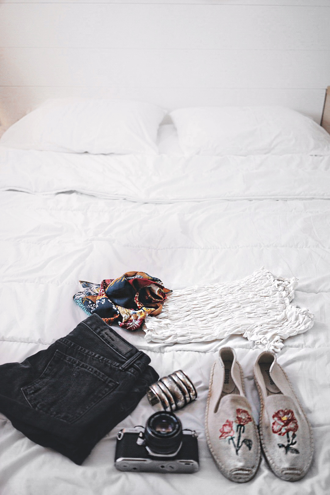 Soludos_Escapes-Boat_Trip-Bikini-Summer_Look-Santorini_Greece-GRLFRND_Jeans-Off_The_Shoulders-Collage_Vintage-Street_Style-Soludos_Espadrilles-41