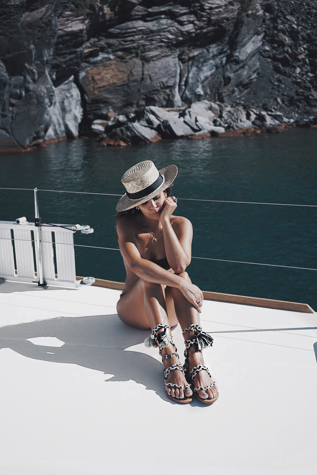 Soludos_Escapes-Boat_Trip-Bikini-Summer_Look-Santorini_Greece-GRLFRND_Jeans-Off_The_Shoulders-Collage_Vintage-Street_Style-Soludos_Espadrilles-46