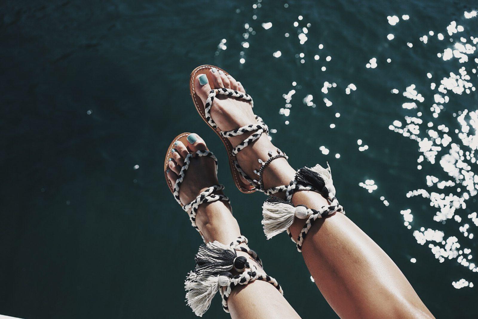 Soludos_Escapes-Boat_Trip-Bikini-Summer_Look-Santorini_Greece-GRLFRND_Jeans-Off_The_Shoulders-Collage_Vintage-Street_Style-Soludos_Espadrilles-52