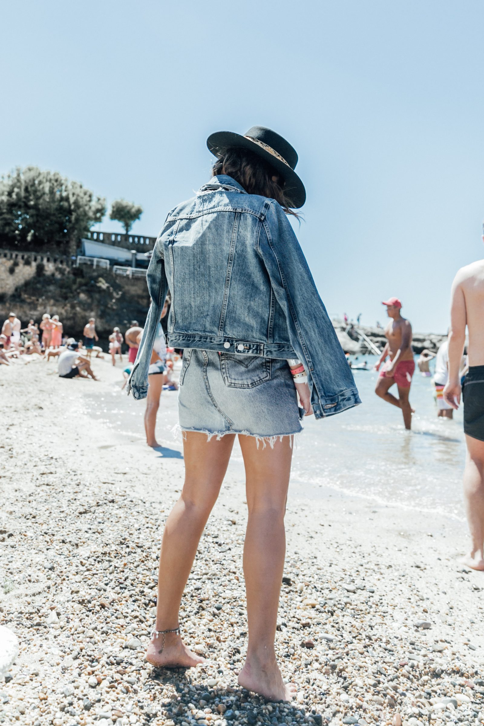 Biarritz-Big_Festival-Live_in_Levis-Double_Denim-Denim_Skirt-Denim_Jacket-Nude_Top-Lack_Of_Color_Hat-Outfit-Summer-Street_Style-30
