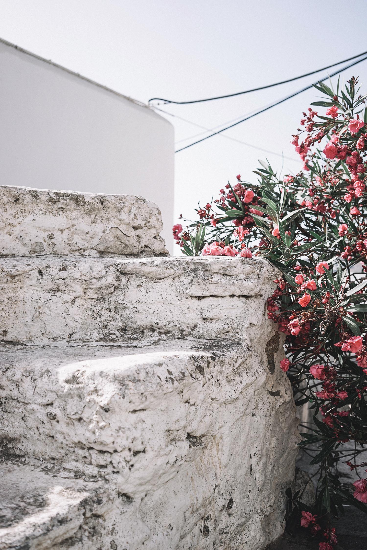 Lace_up_Blouse-Ralph_Lauren-Soludos_Espadrilles-Soludos_Escapes-Skirt-Straw_Hat-Canotier-Lack_Of_Color-Street_Style-Mykonos-Greece-Collage_Vintage-112