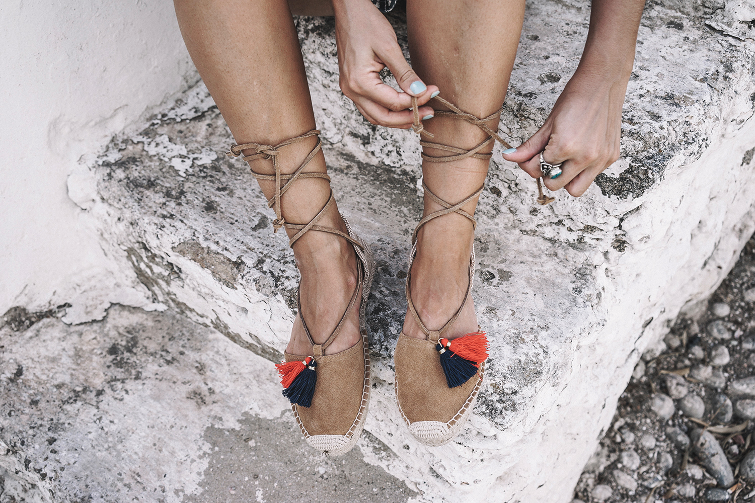 Lace_up_Blouse-Ralph_Lauren-Soludos_Espadrilles-Soludos_Escapes-Skirt-Straw_Hat-Canotier-Lack_Of_Color-Street_Style-Mykonos-Greece-Collage_Vintage-134
